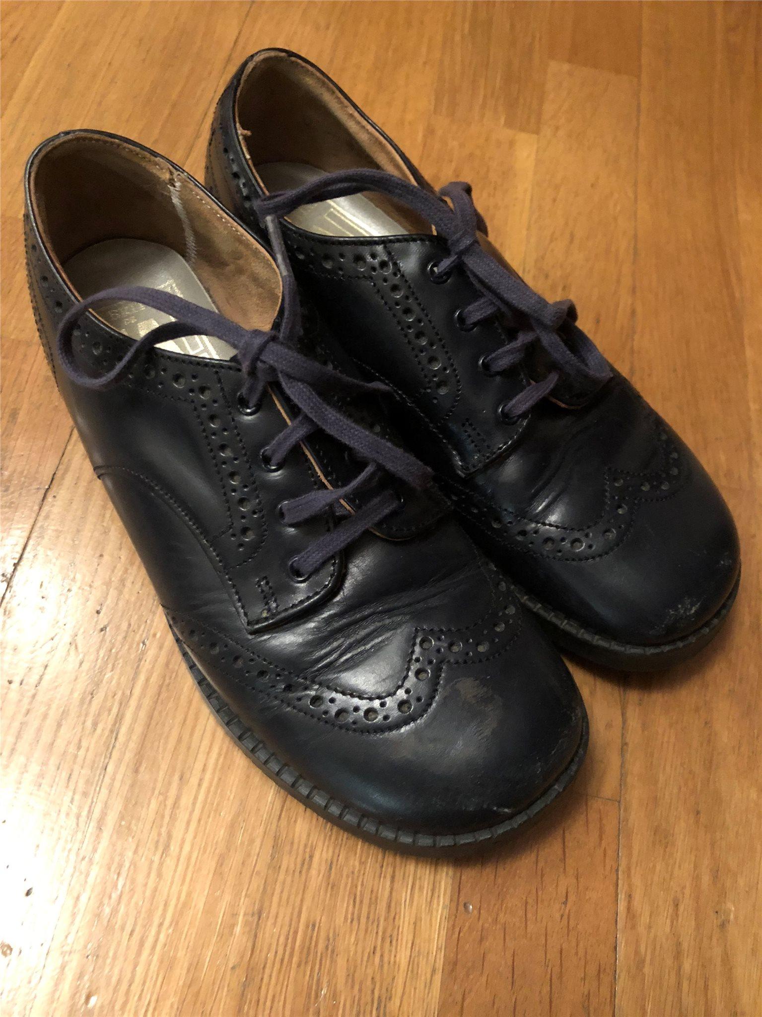 Fin sko i äkta läder. Strl 30-31. (337214300) ᐈ Köp på Tradera 18f72203fe94f