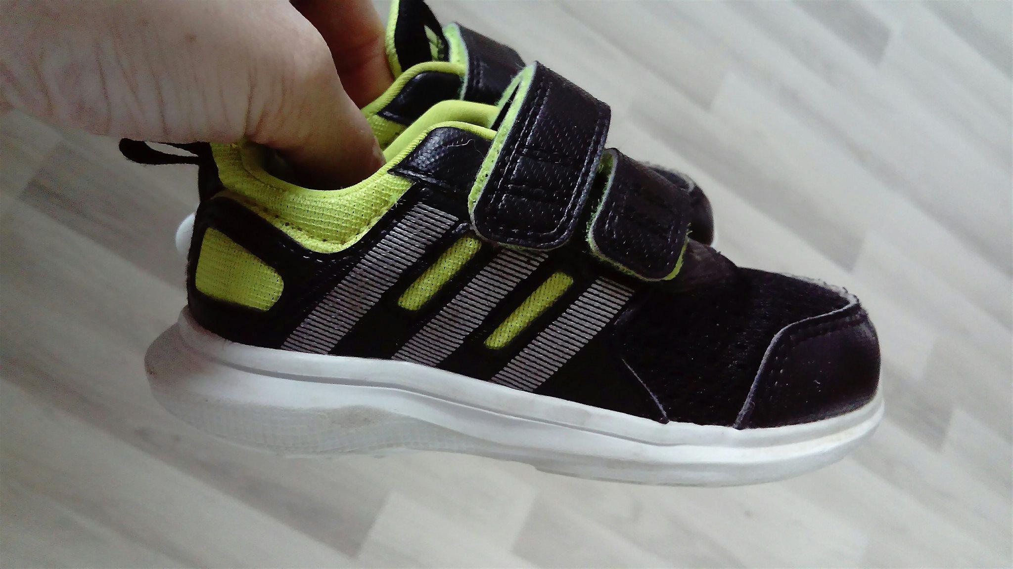 new concept dc647 23515 Adidas skor stl 22