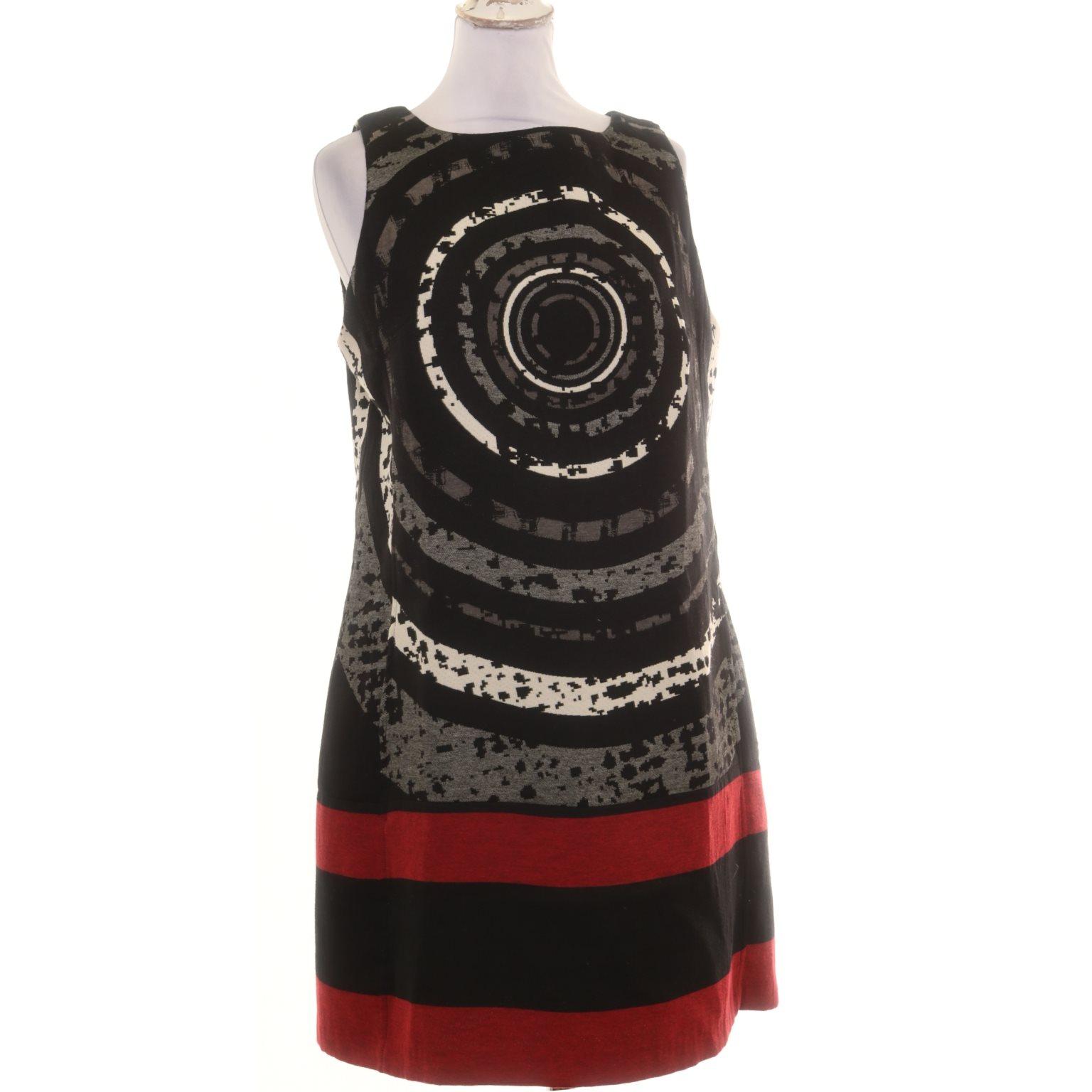 desigual klänning svart vit