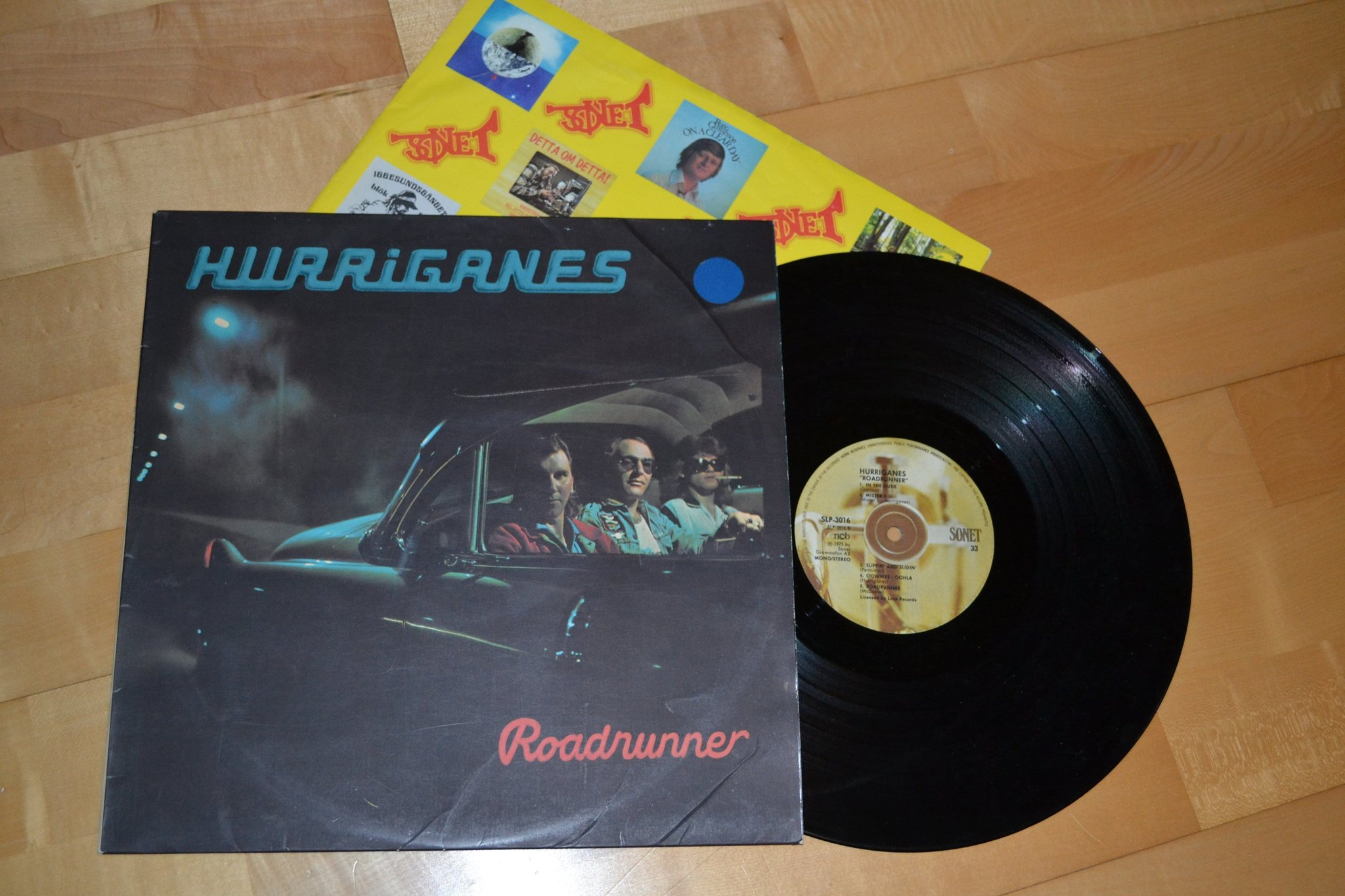 "Hurriganes lp "" Roadrunner"""