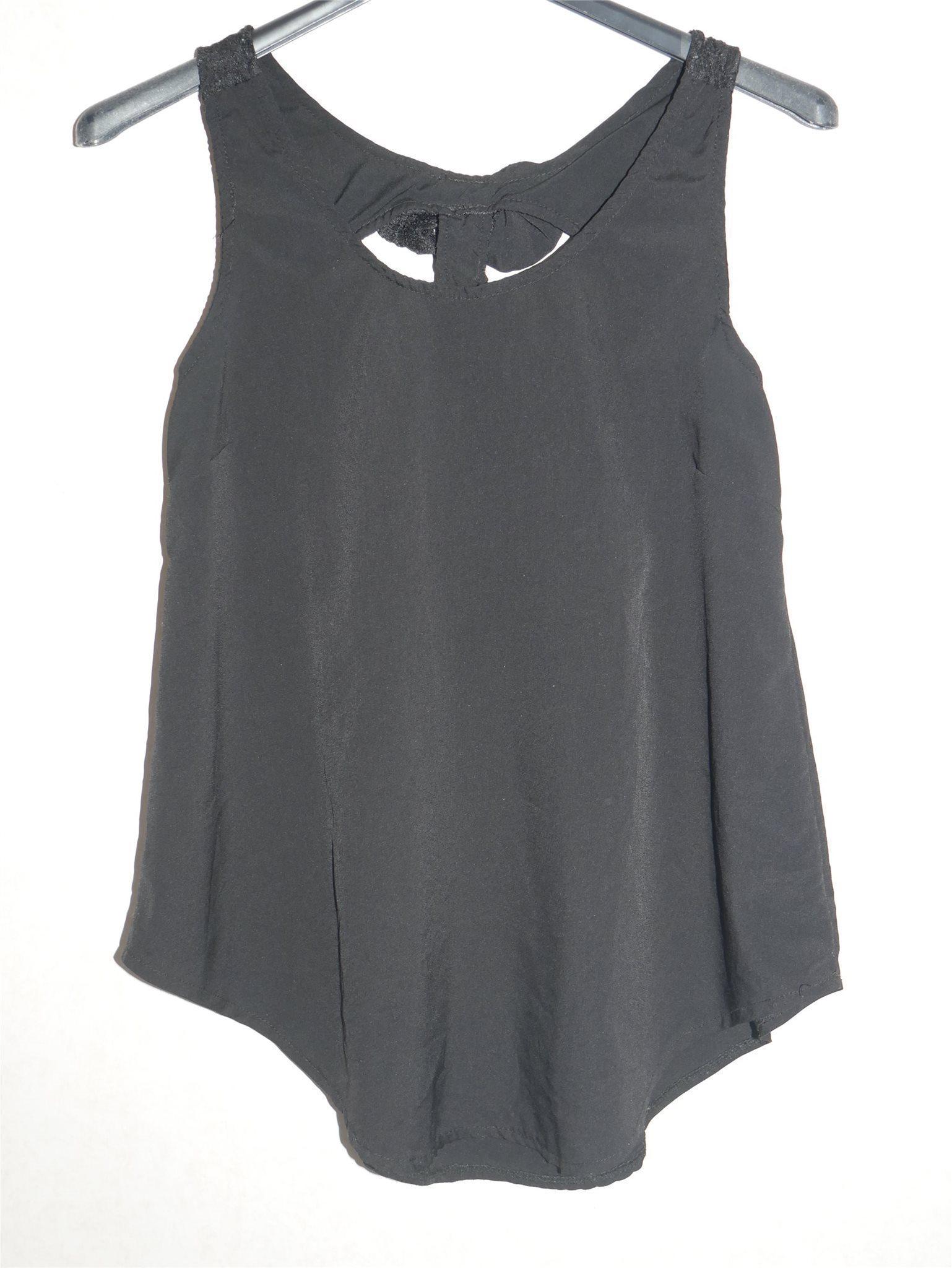 svart linne spets