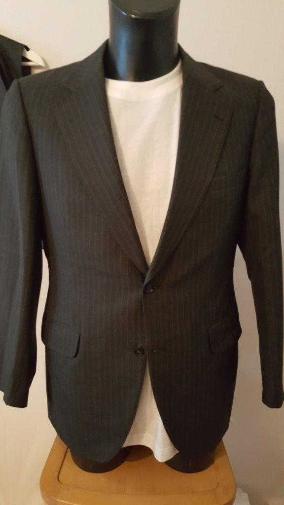 SAKS - Grårandig komplett kostym 01fe4758cf67f