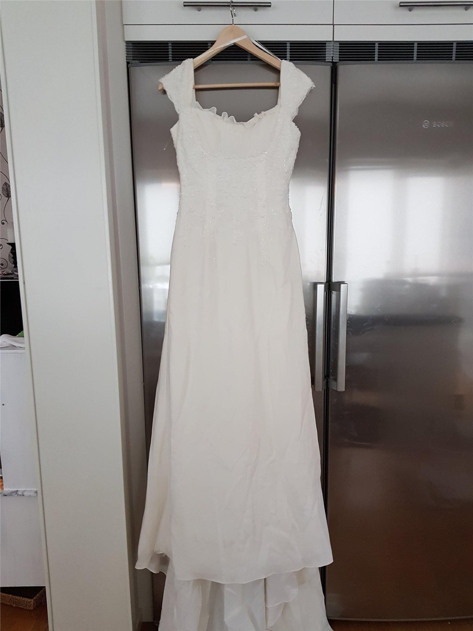 f49385dca9cd brudklänning med pärlor (349486051) ᐈ Köp på Tradera
