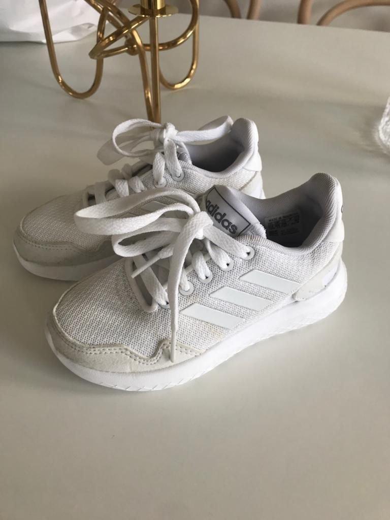 Adidas skor sneakers barnskor storlek 28 Nytt
