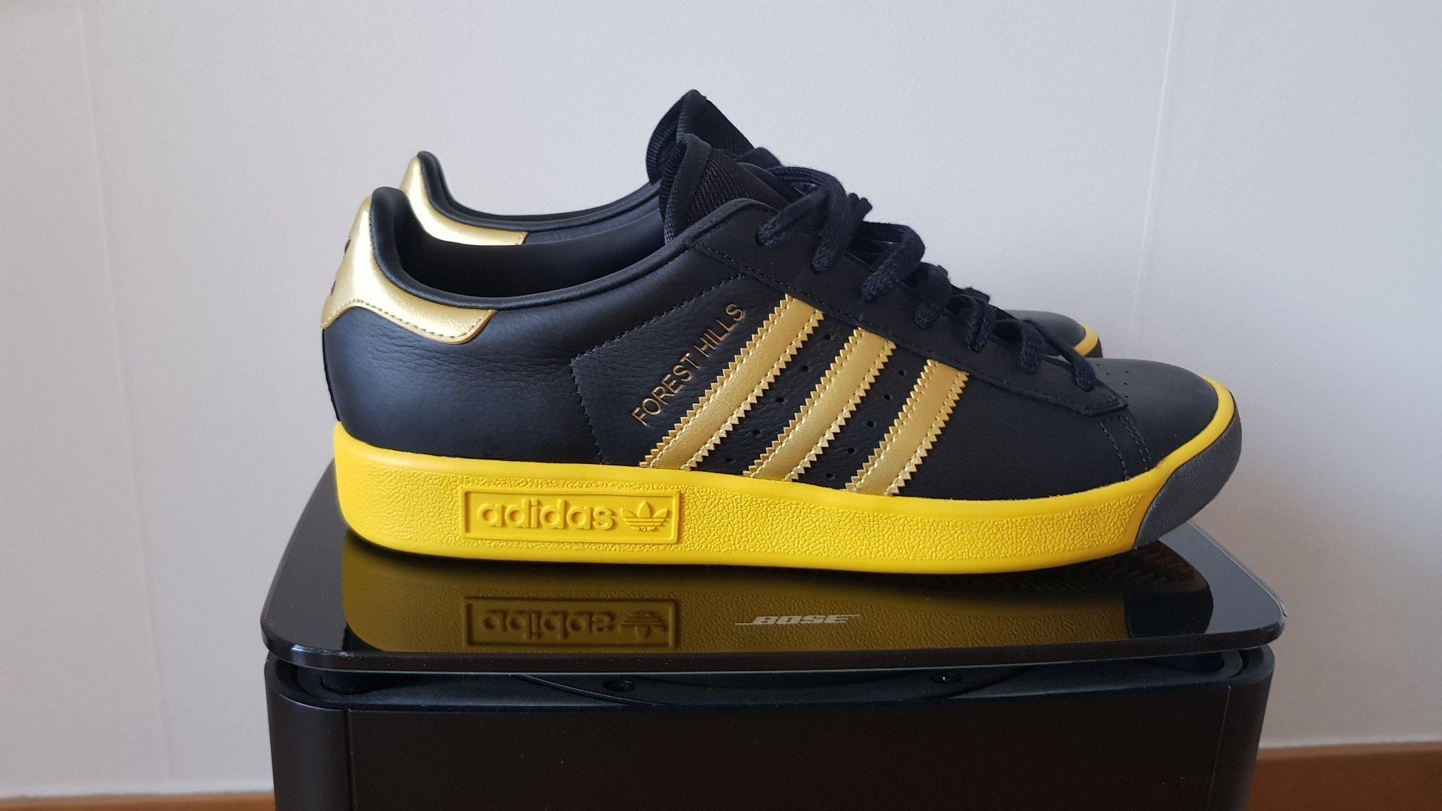 sports shoes 3b545 e172c Adidas skor storlek 42 (2 3) forest hills svart guld gul sneakers gympasko