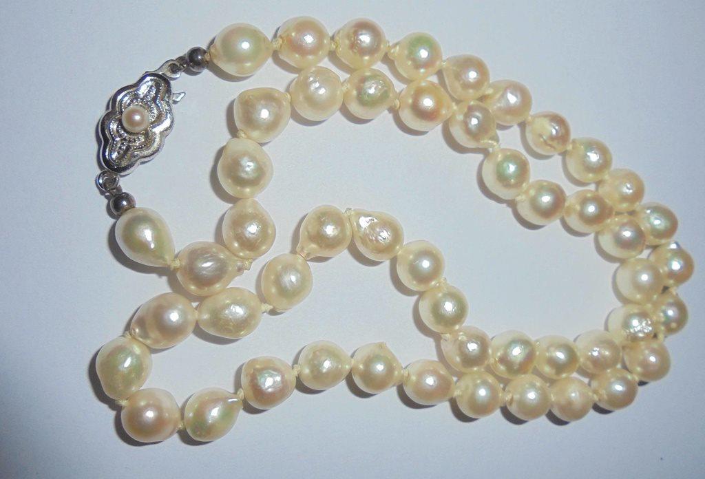 äkta pärlor halsband värde