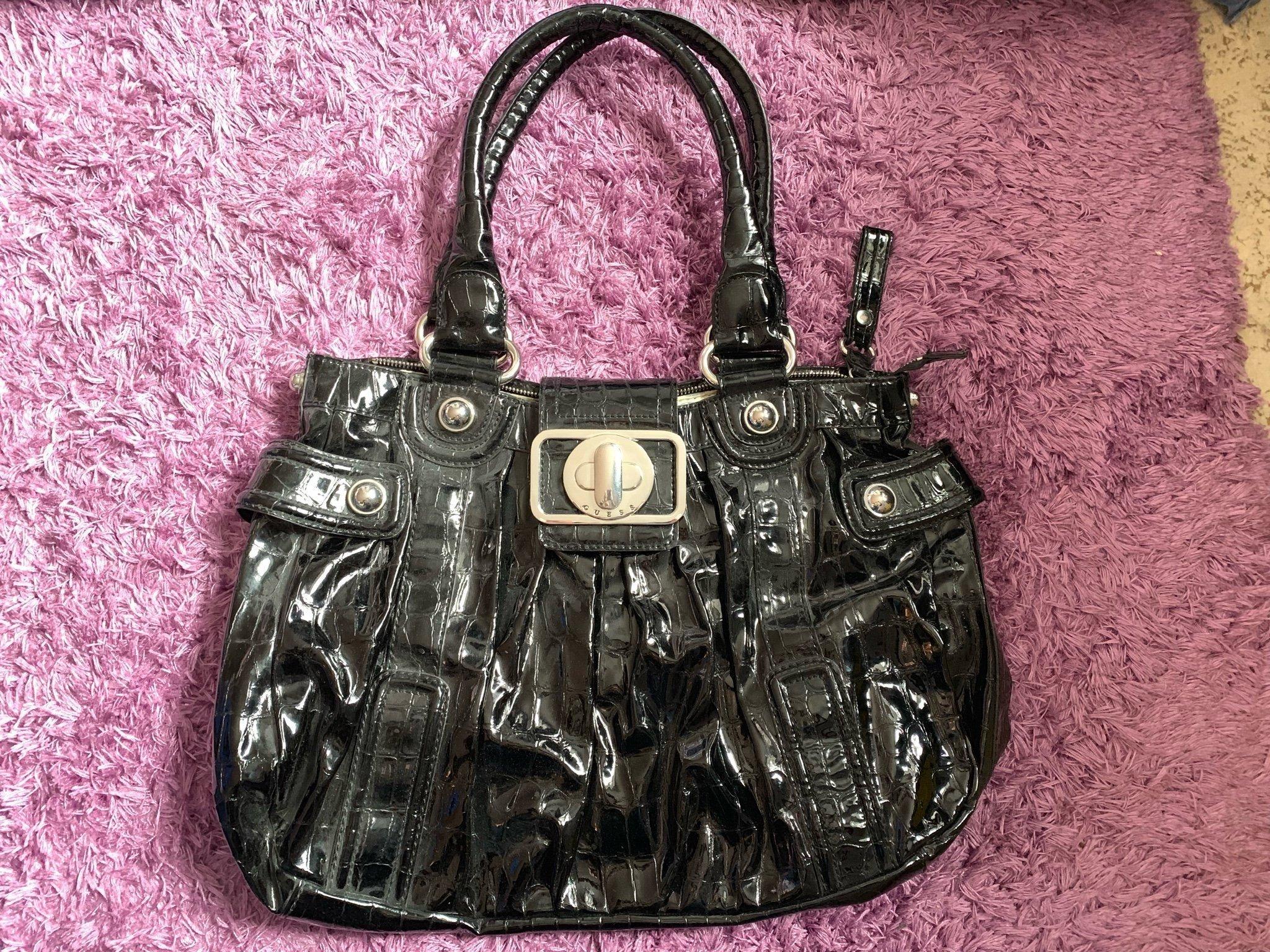 Guess stor väska (351502396) ᐈ Köp på Tradera