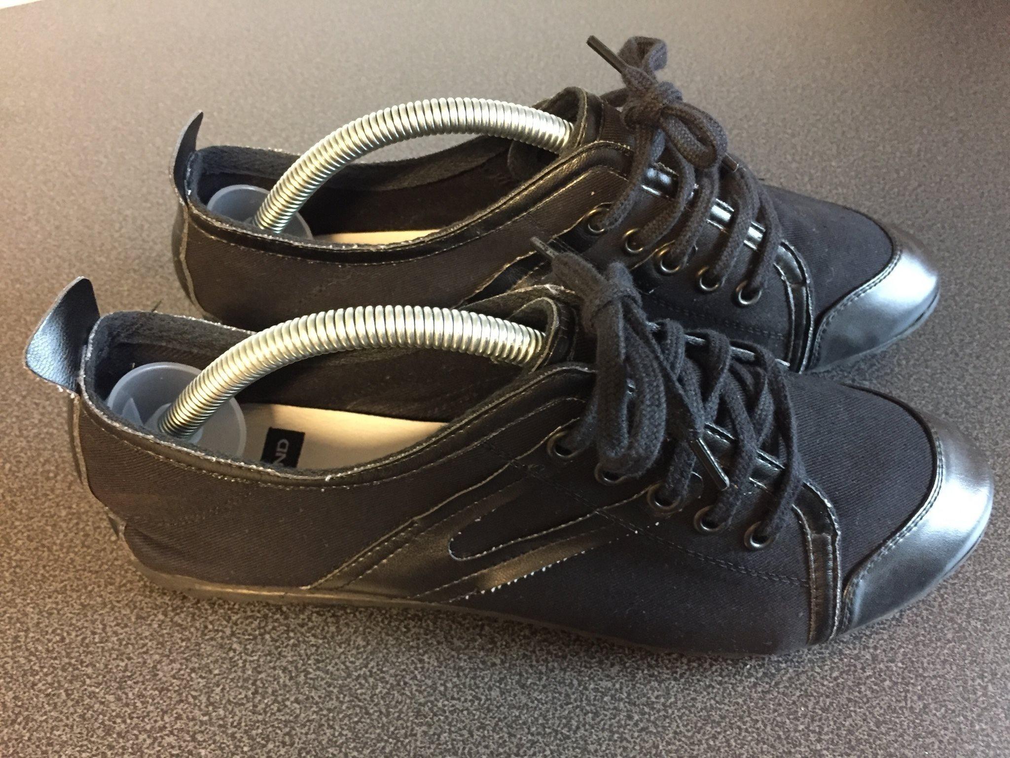 Svarta skor från Vagabond, storlek 38