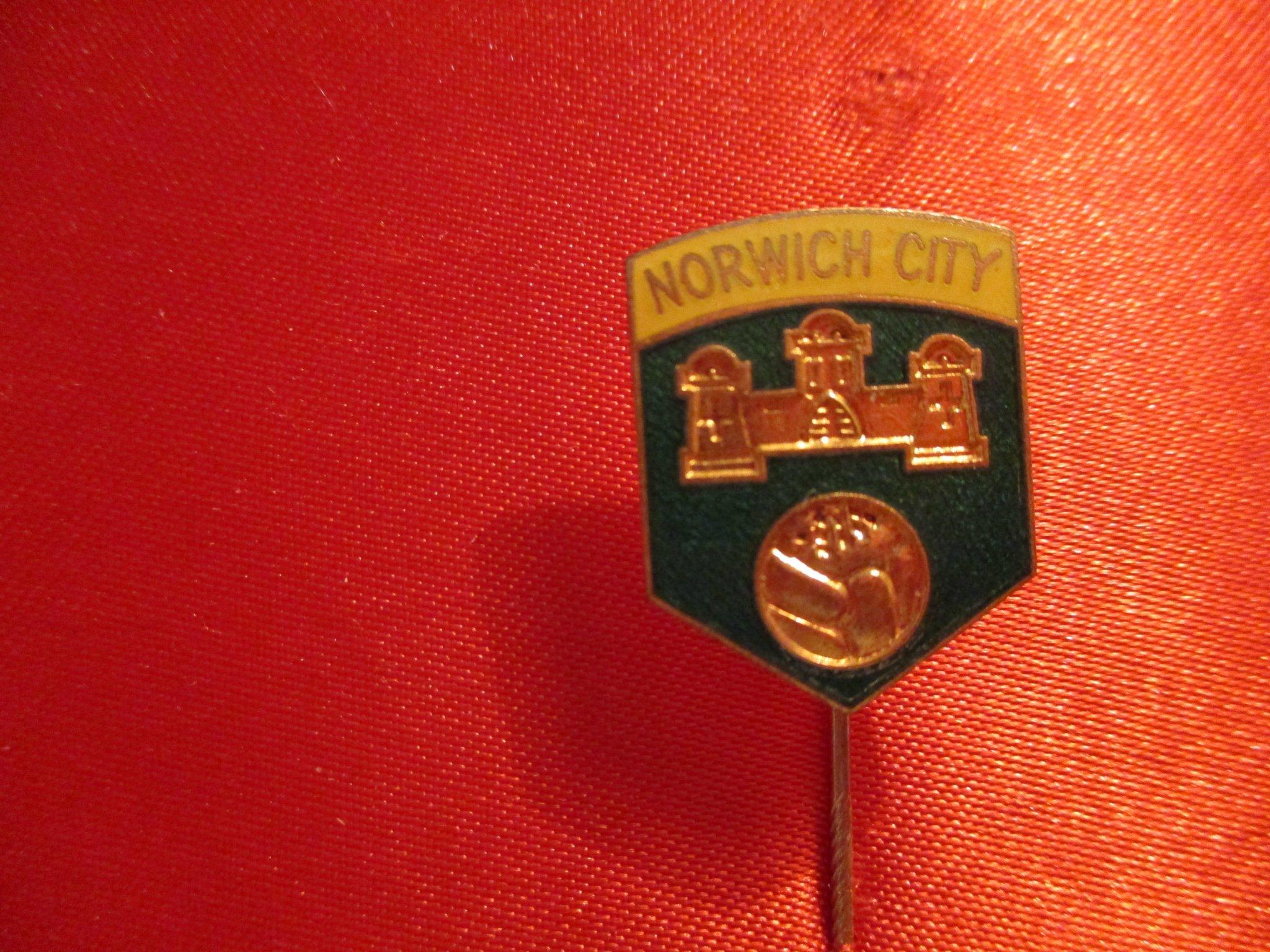 da02a342ff685 Norwich City (345969848) ᐈ Köp på Tradera