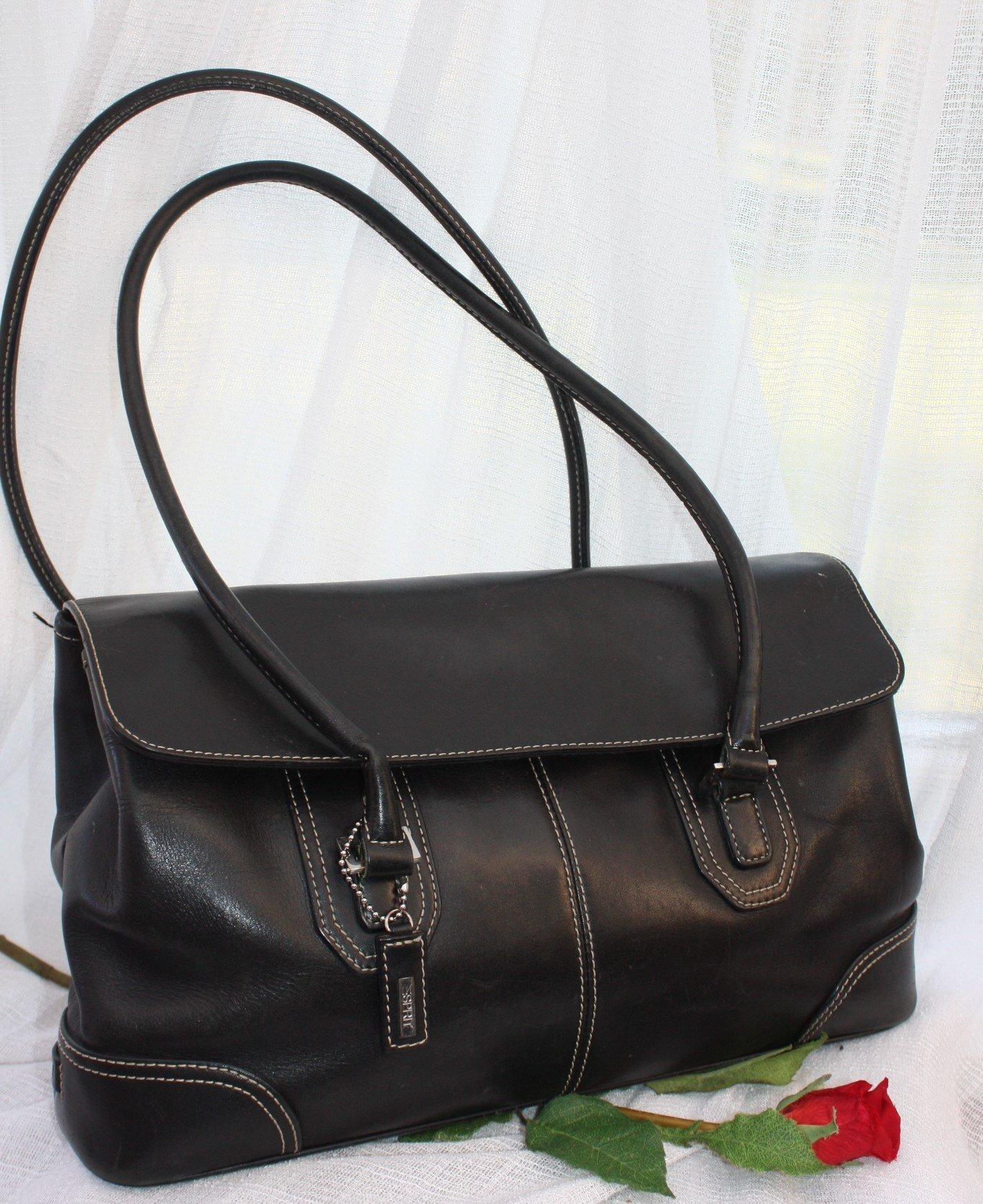 Praktisk tidlös svart ESPRIT kvalité väska i äk.. (348094441