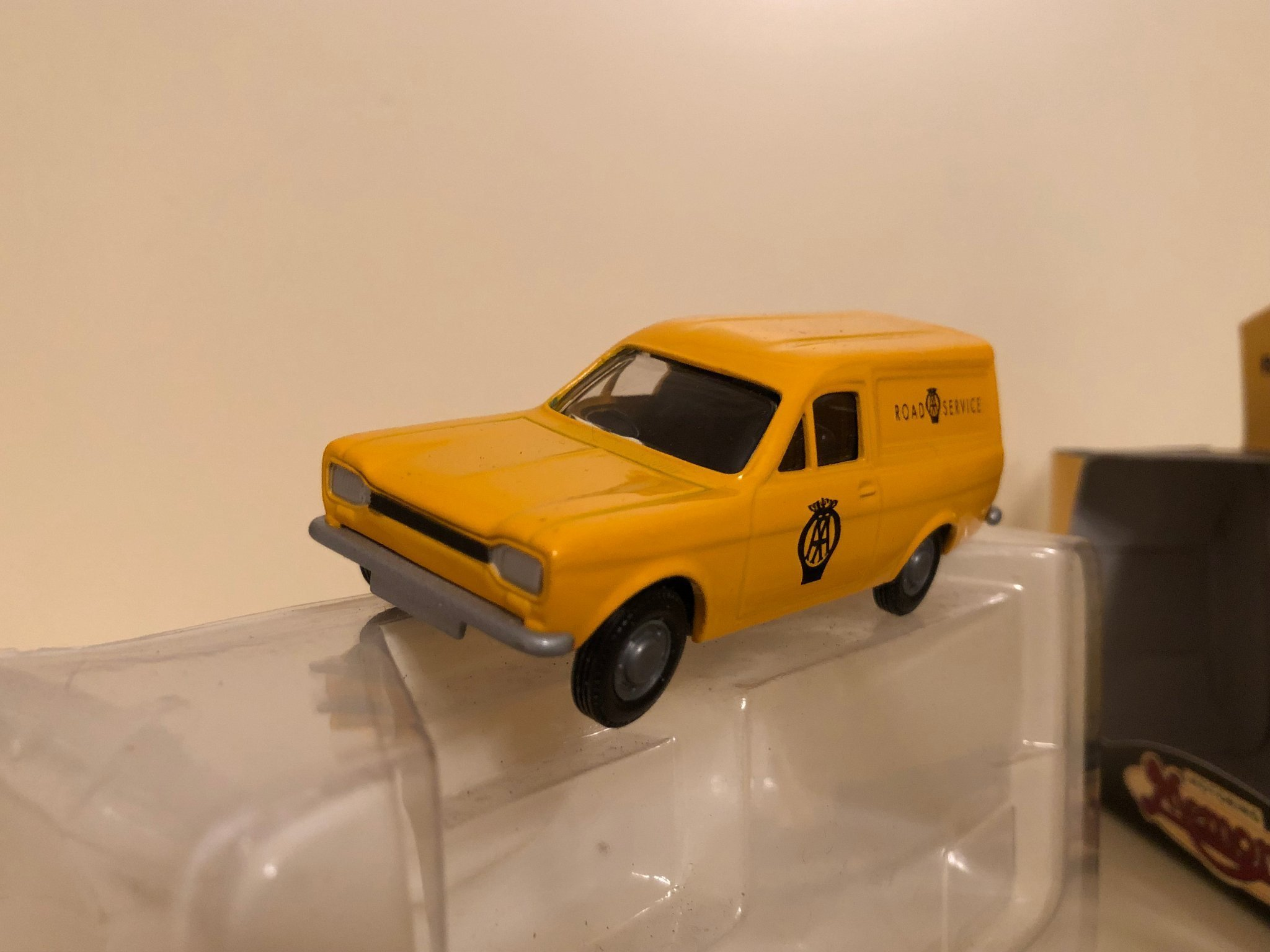 Ford Escort  Van  1/43