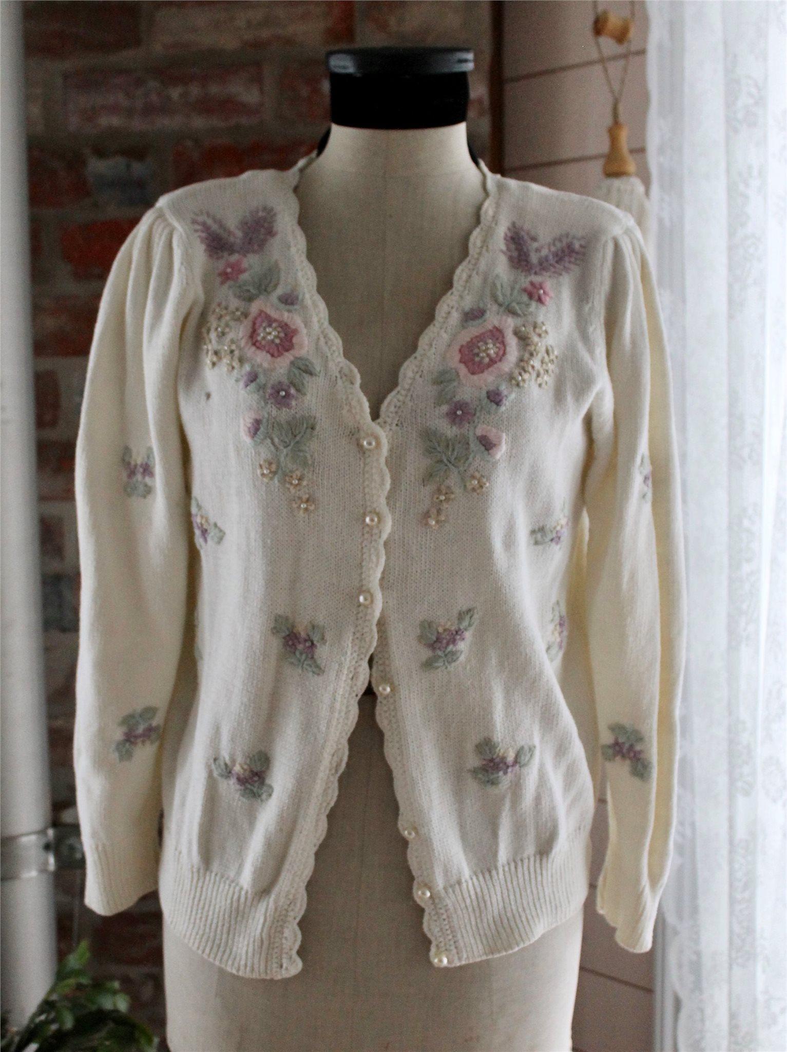 70d2ce48da0b Vintage romantisk kofta broderade blommor S/M bomull/ramie pärlbroderad  tröja