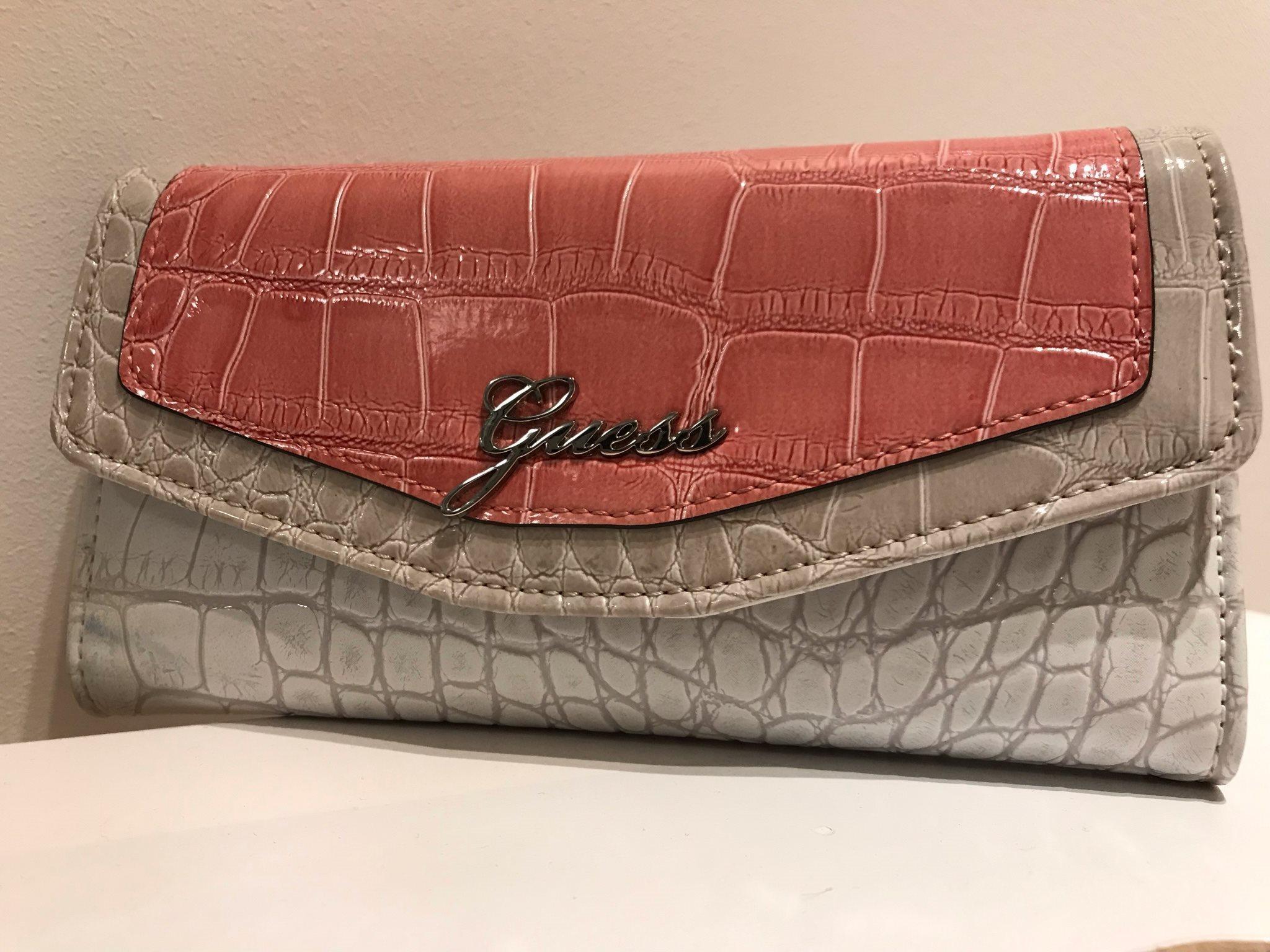 Guess Guess Guess plånbok!! b85ac7