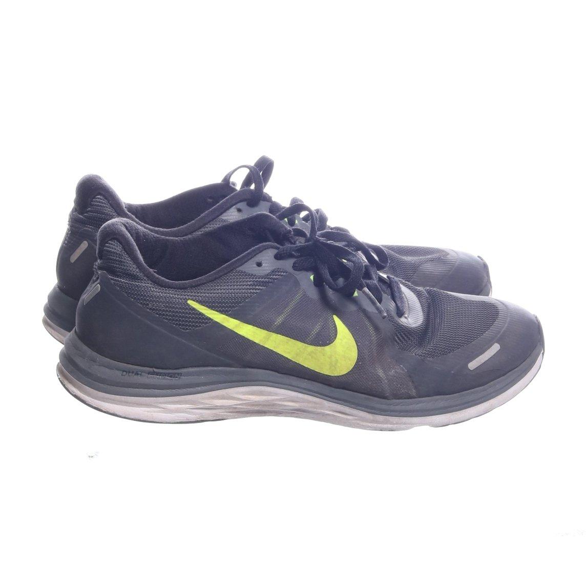 hot sale online a1ccd 0e2e1 Nike, Träningsskor, Strl  39, Svart Grå Gul