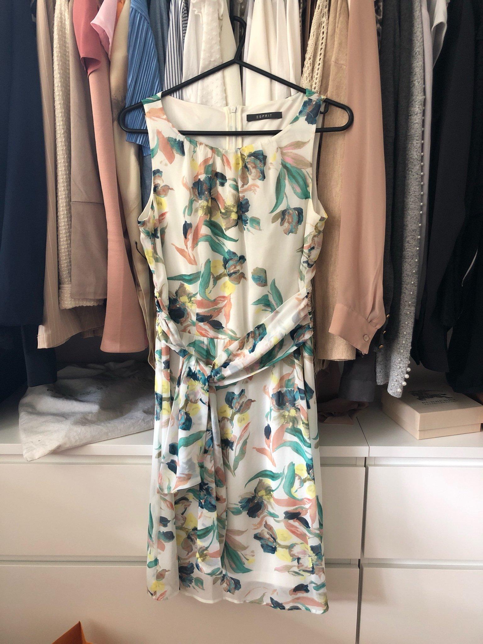 Esprit Collection Klänning i chiffong och spets