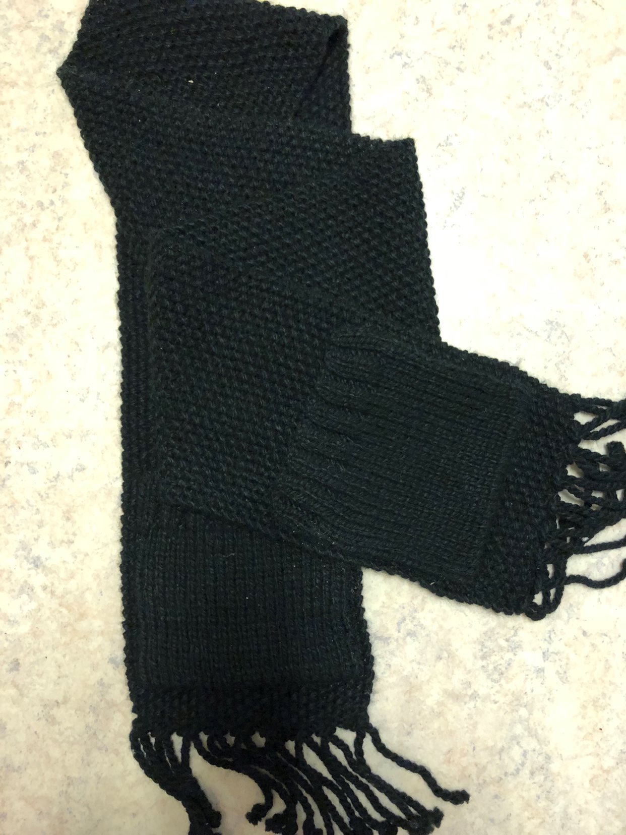 NY Snygg svart Stickad Halsduk med fransar och .. (336638891) ᐈ Köp ... 35349df56c9ee