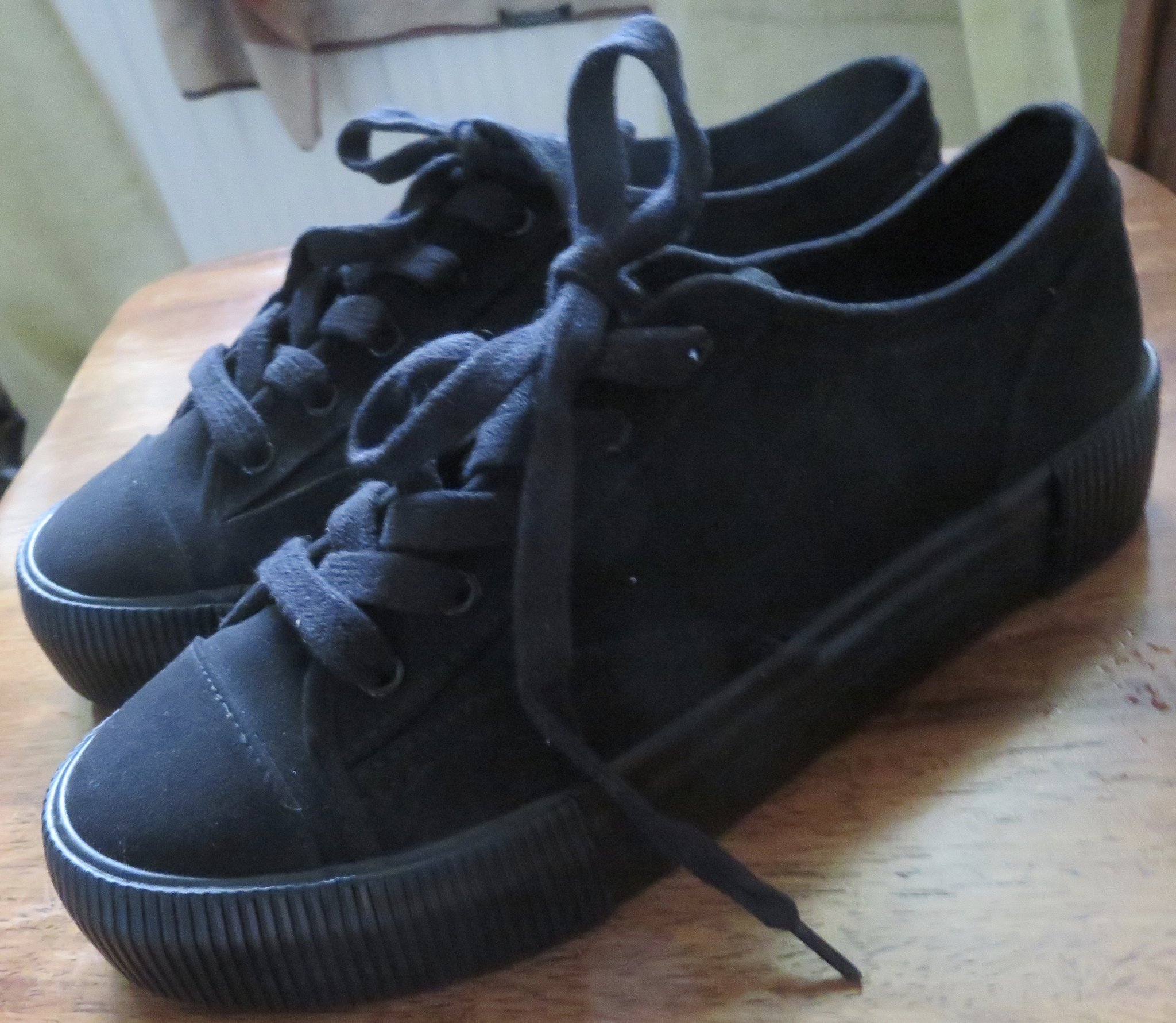 DIVIDED svarta skorplatå skor. Strl 38. Nyskic.. (366119318