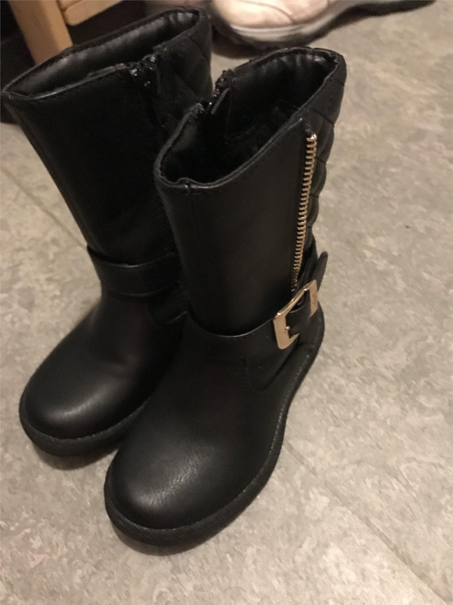 da4ec64e7c3 Barn skor stövlar (340825852) ᐈ Köp på Tradera