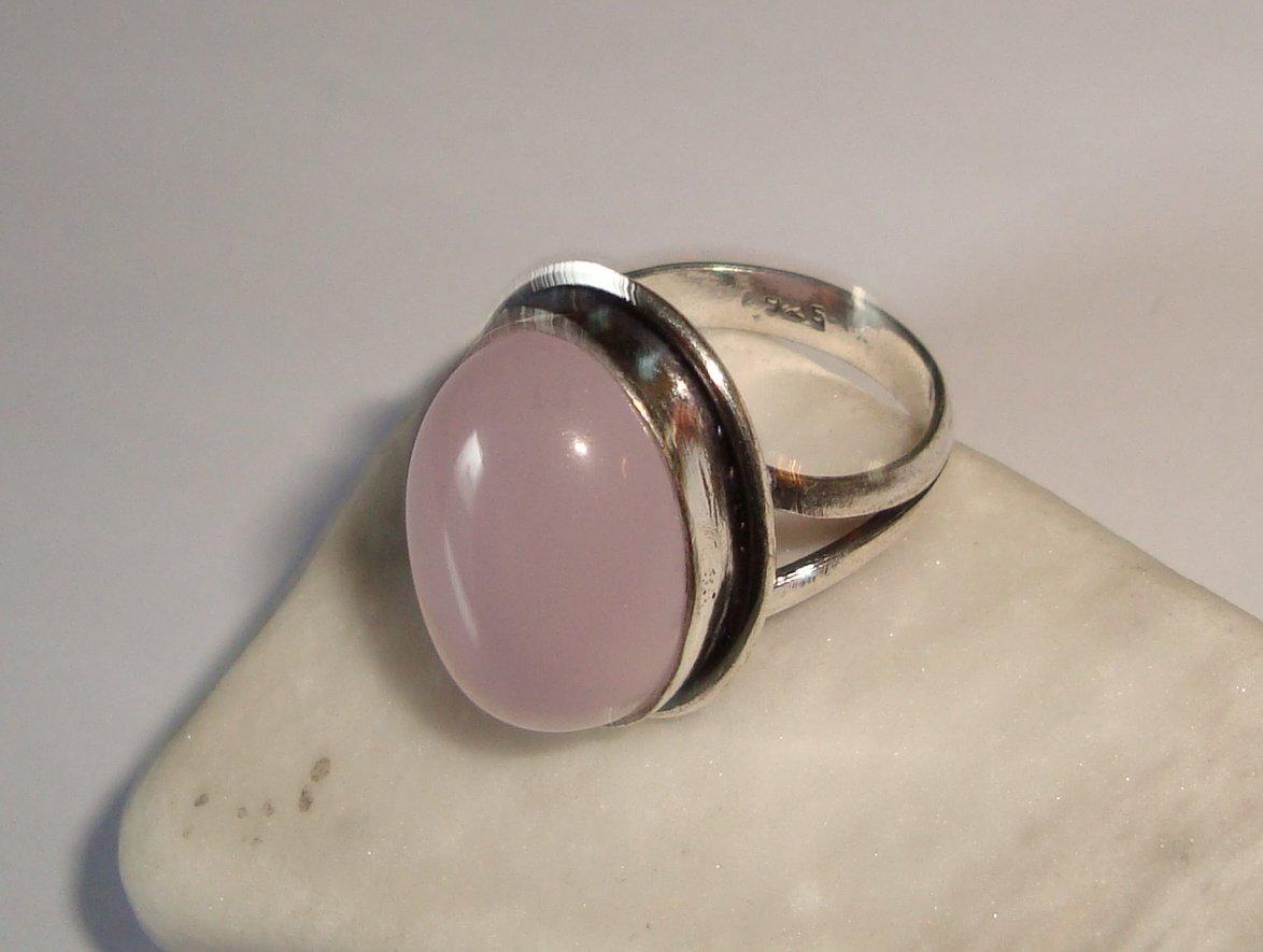 ring rosa sten