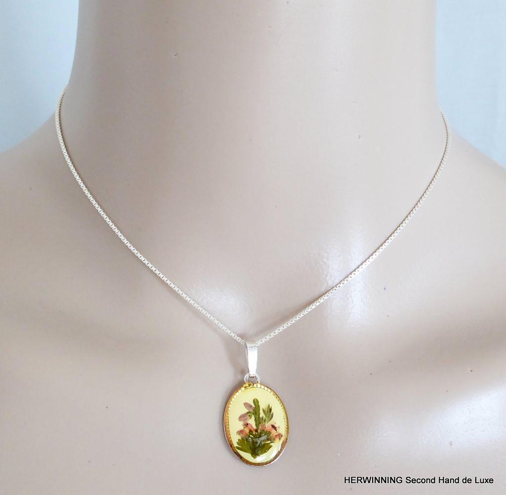 Halsband barn 925 silver kedja berlock hänge blomma gul grön rosa. Nyskick! efb50b97823ee