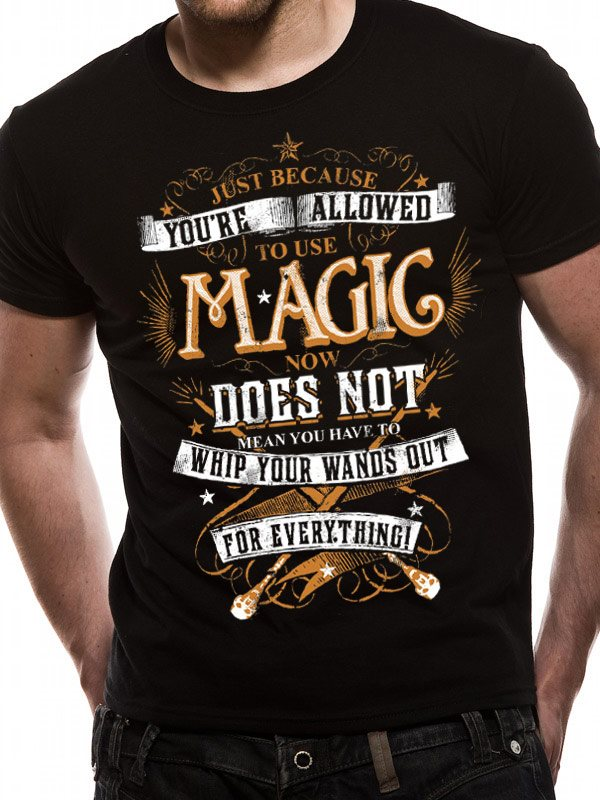 HARRY POTTER - MAGIC WANDS T-Shirt - Medium