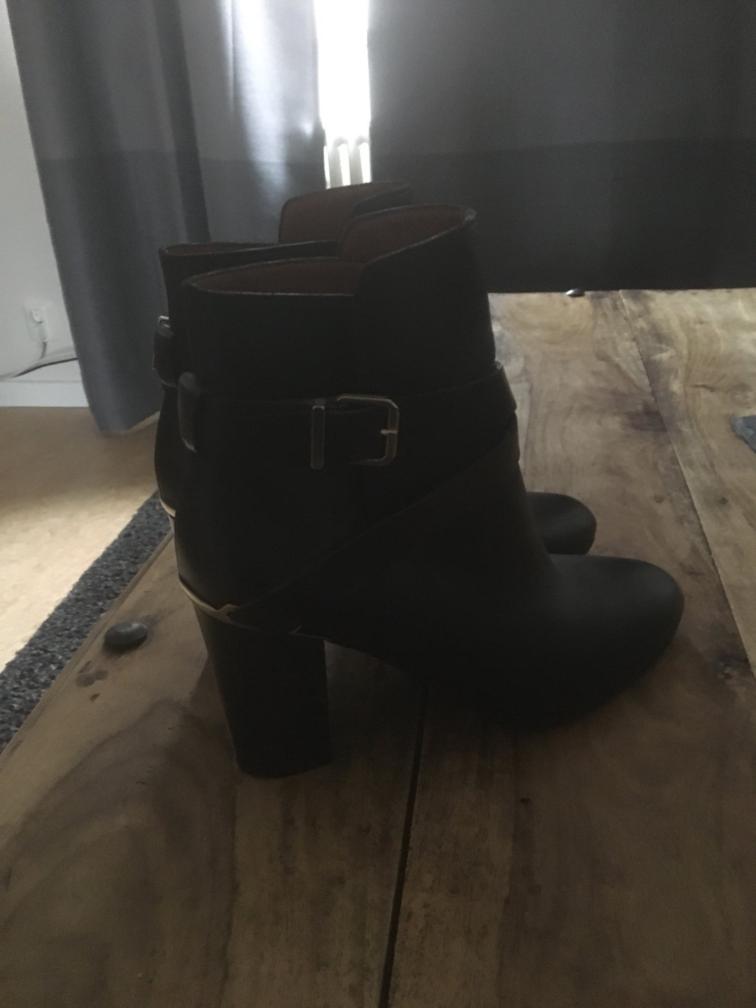 Chelsea boots, skor, dam, svarta, äkta skinn, stl 40 som nya!