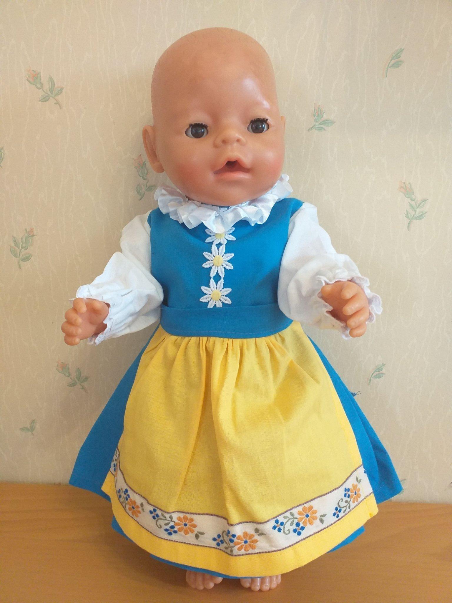 5cfc72bedf2 Sverigeklänning 3 delar till docka i Baby Borns stl docka ca 40-45 cm ...