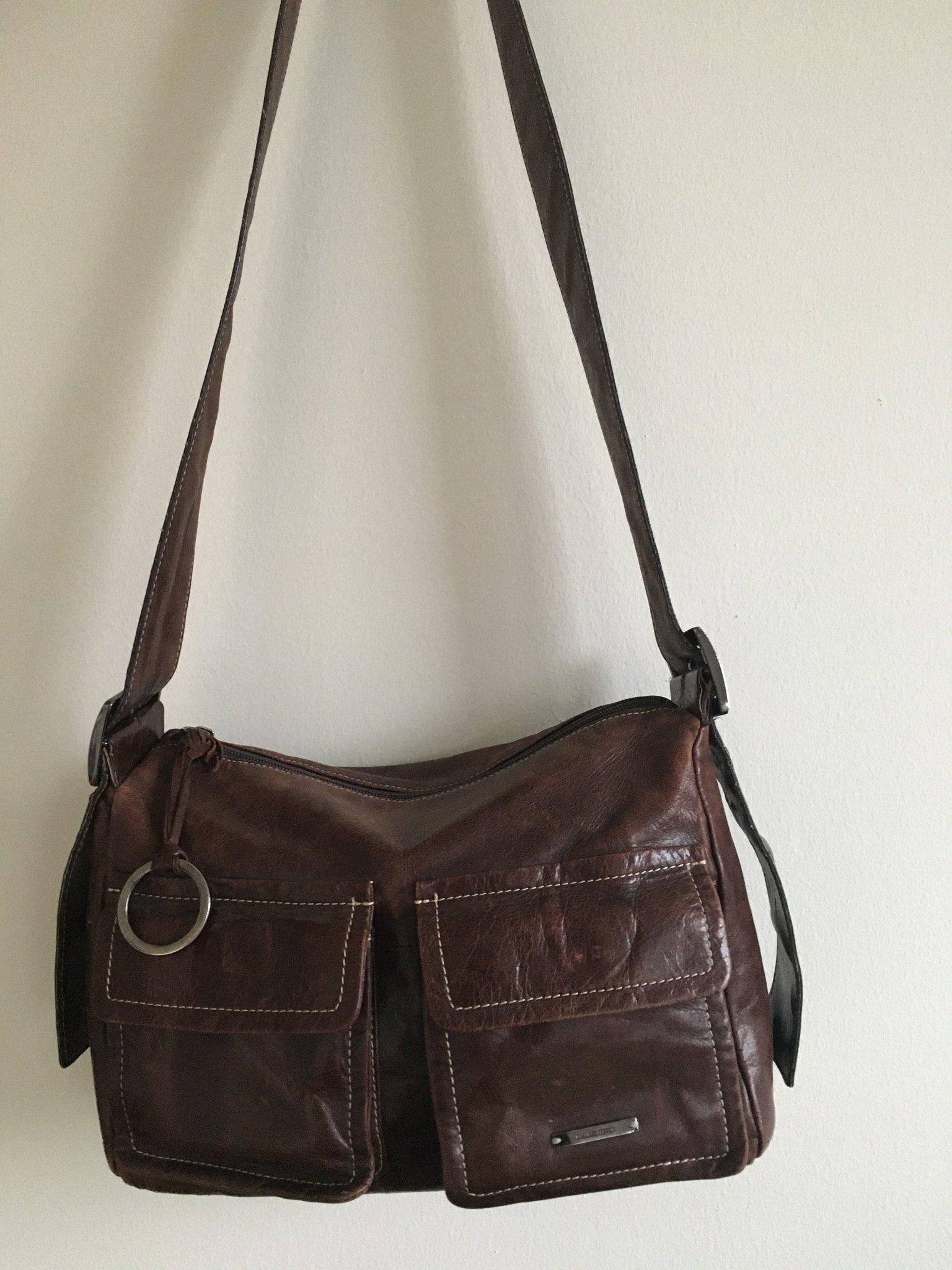 Väska brun axelremsväska design Claudio ferrici praktisk billigt