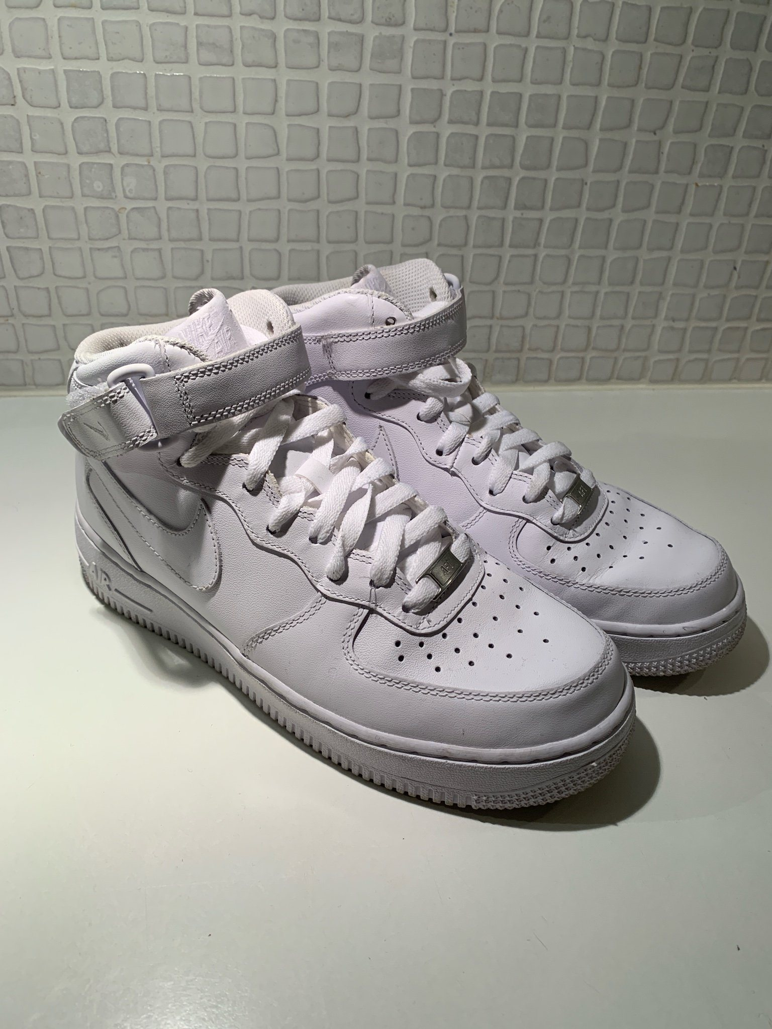 buy online c59b8 b4061 Nike Air Force 1 High