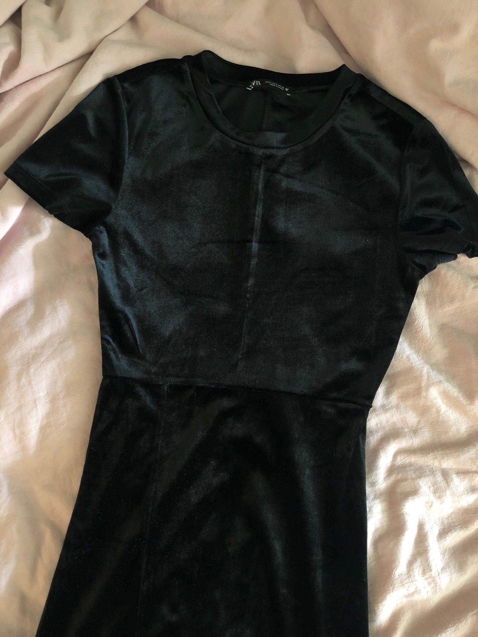 Kort klänning SvartSammet DAM | H&M SE
