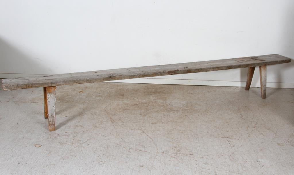 Strålande Lång Sittbänk i trä - Träbänk - Lan.. (366619354) ᐈ Auktionsbyra RT-04