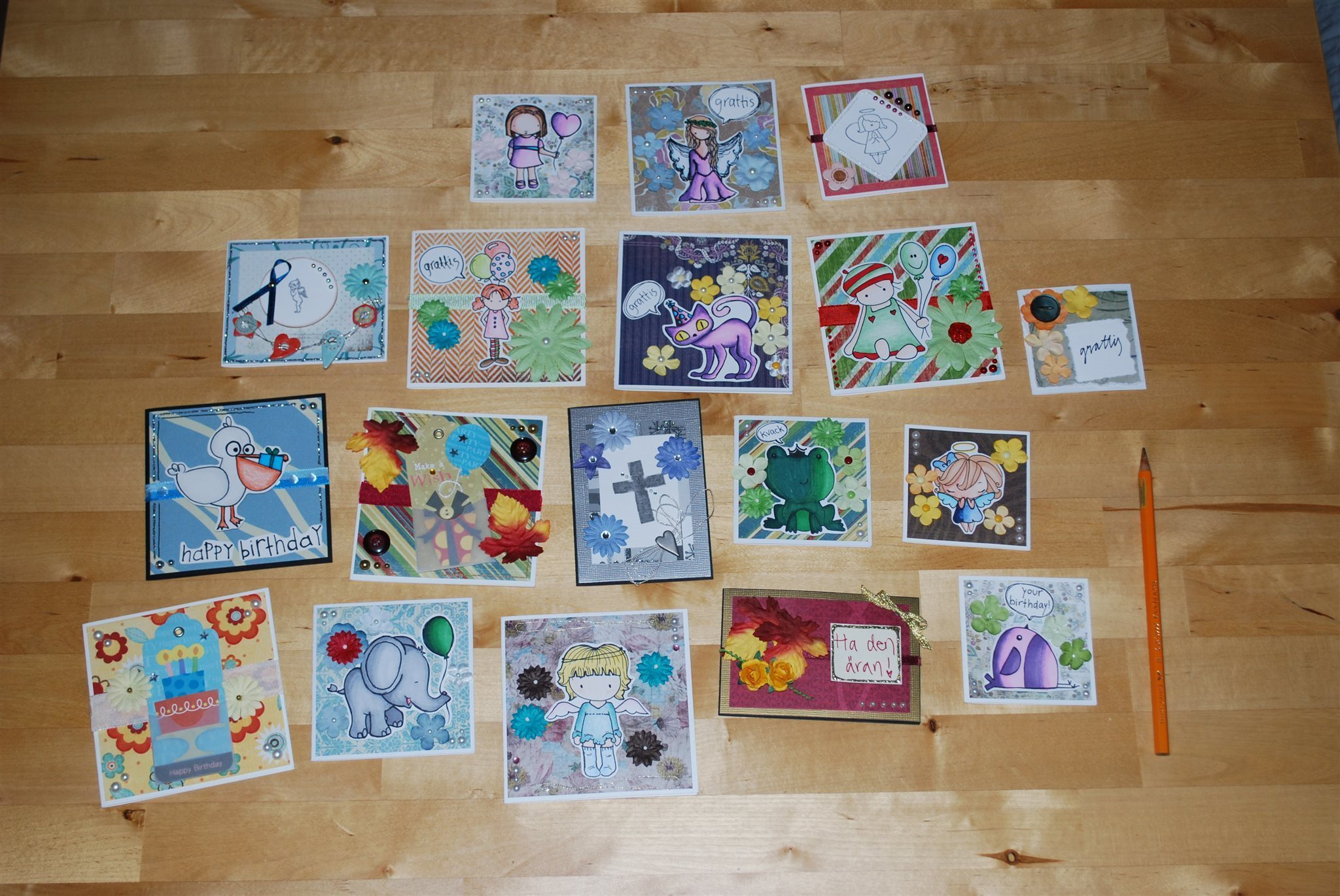 handgjorda gratulationskort Ett gäng små handgjorda gratulationskort, paket.. (314718297) ᐈ  handgjorda gratulationskort