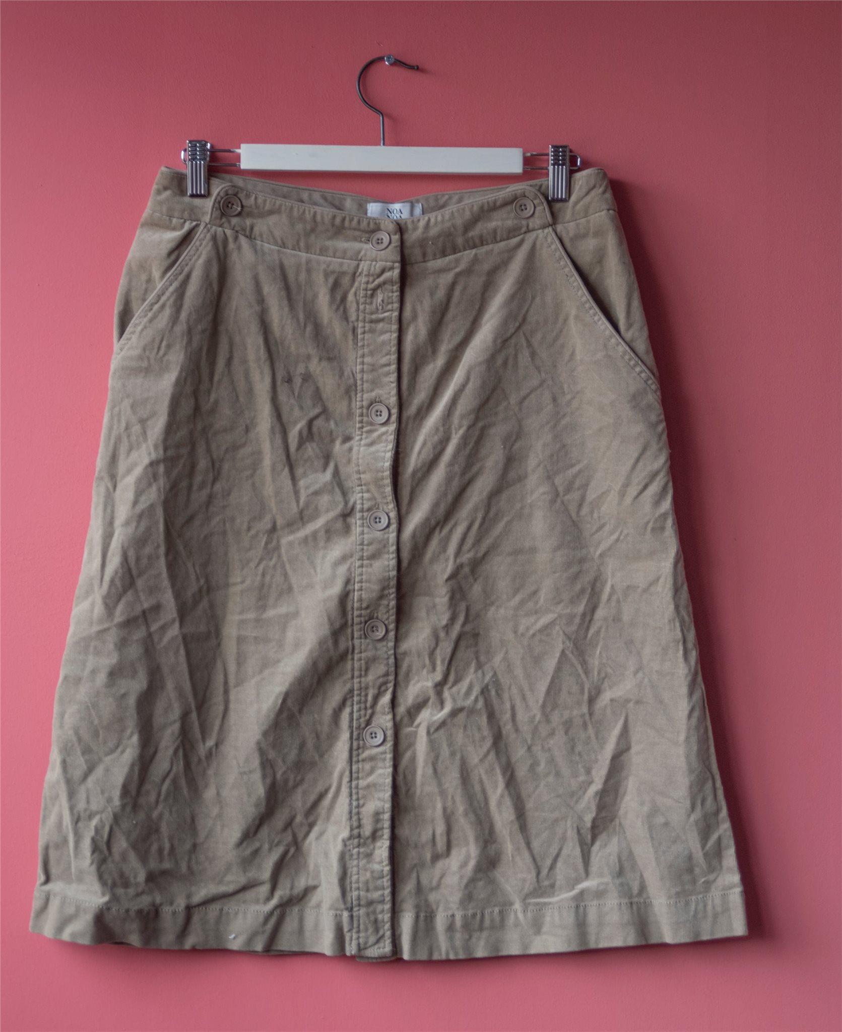Klassisk kjol från NOA NOA i stl L (335392149) ᐈ Köp på Tradera e0b16f332d162