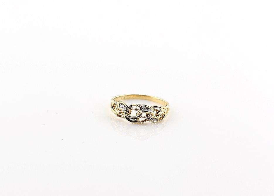 bismarck ring 18k