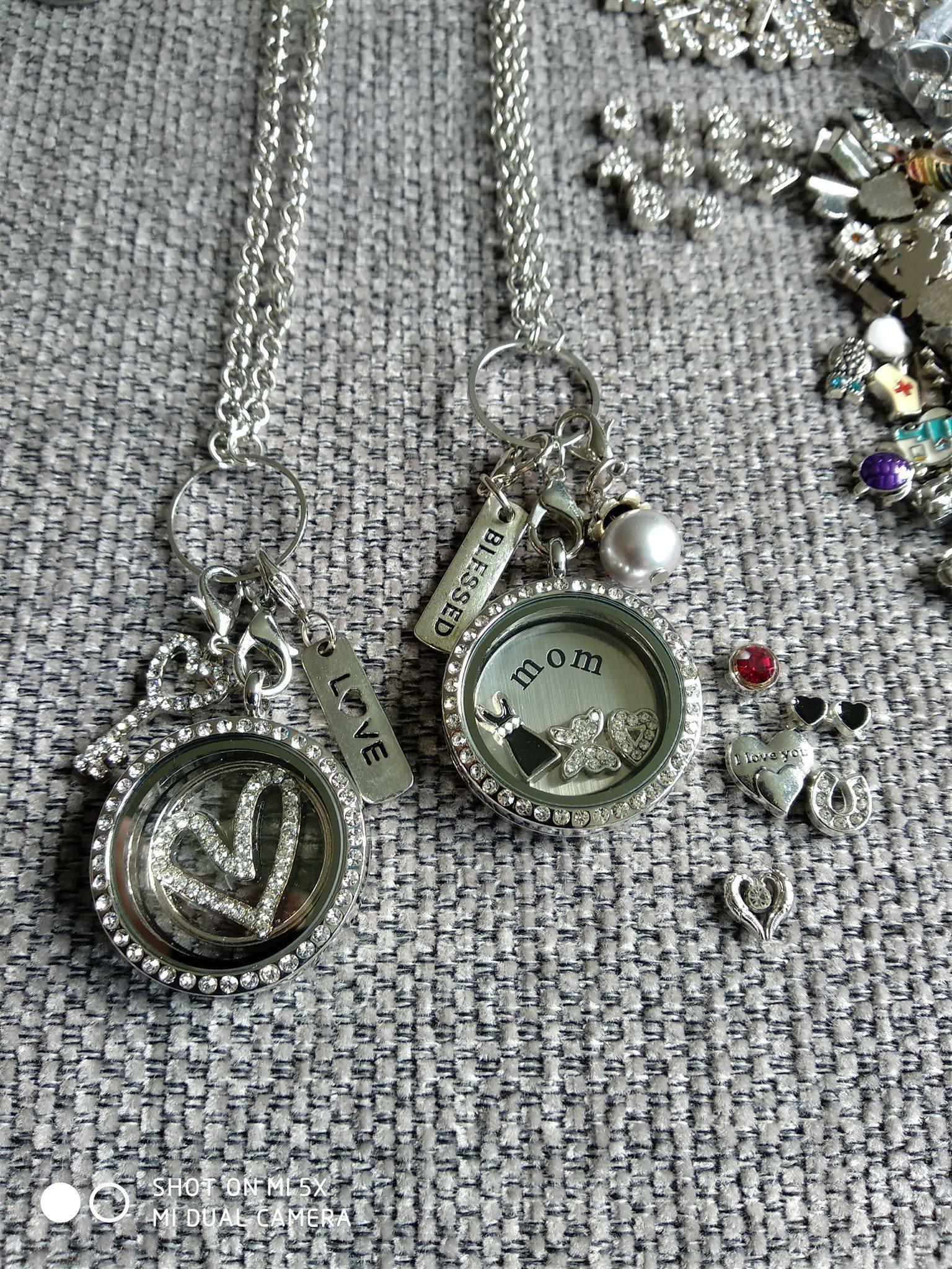Paket 22 15 st halsband med flytande berlocker.. (332123505) ᐈ Köp ... 69cfd41950798