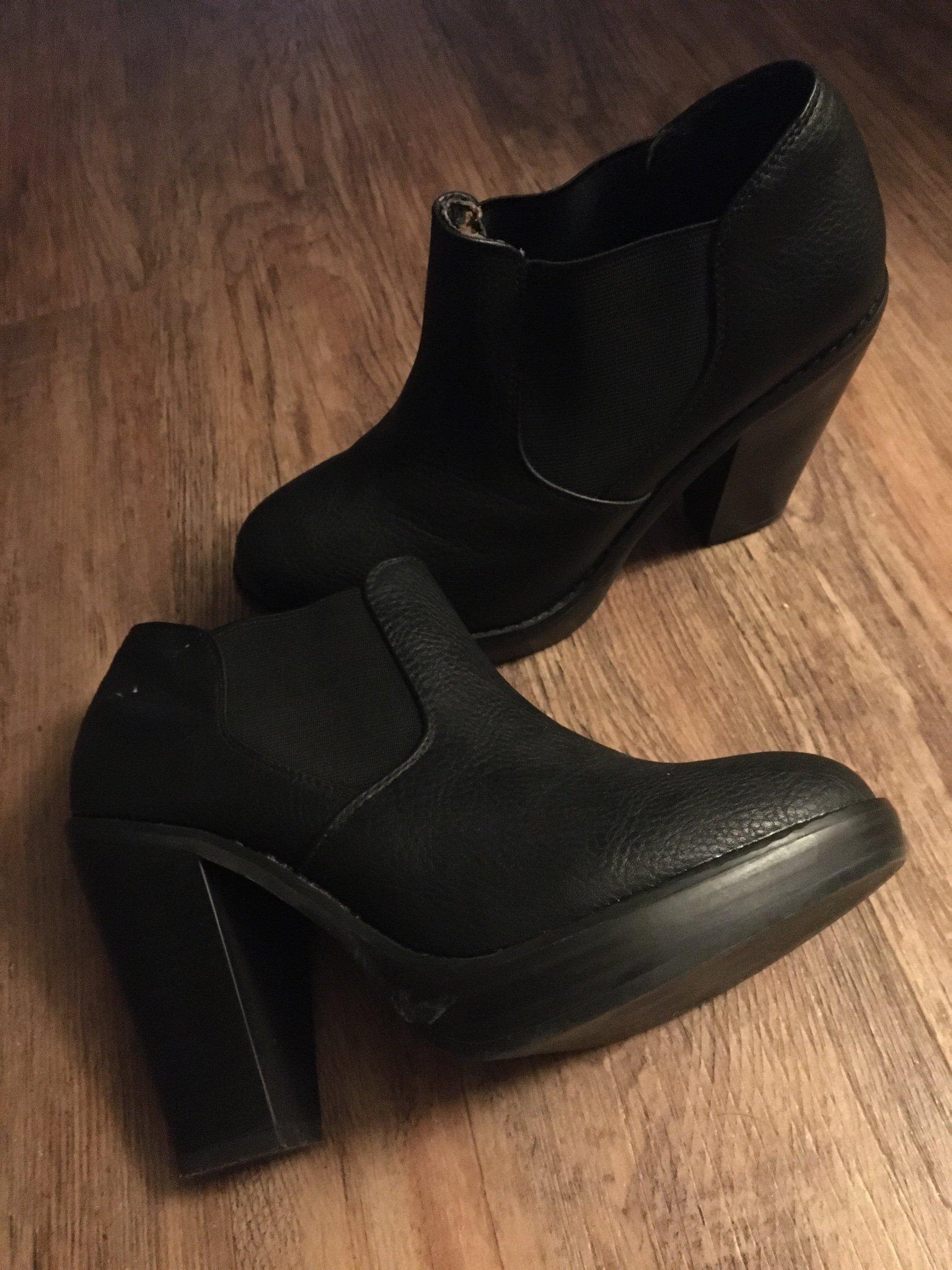 Högklackade skor Stl 37