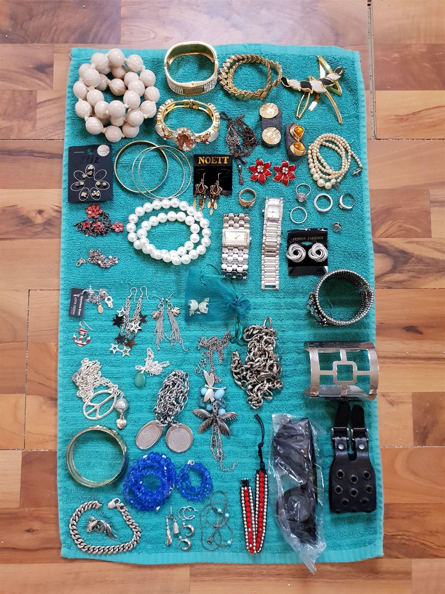 Stort paket med smycken - bijouterier 7b05a69ac51d9