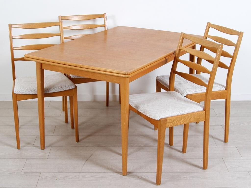 Matgrupp i teak Utdragsskiva Bord & 4 stolar 1960 tal
