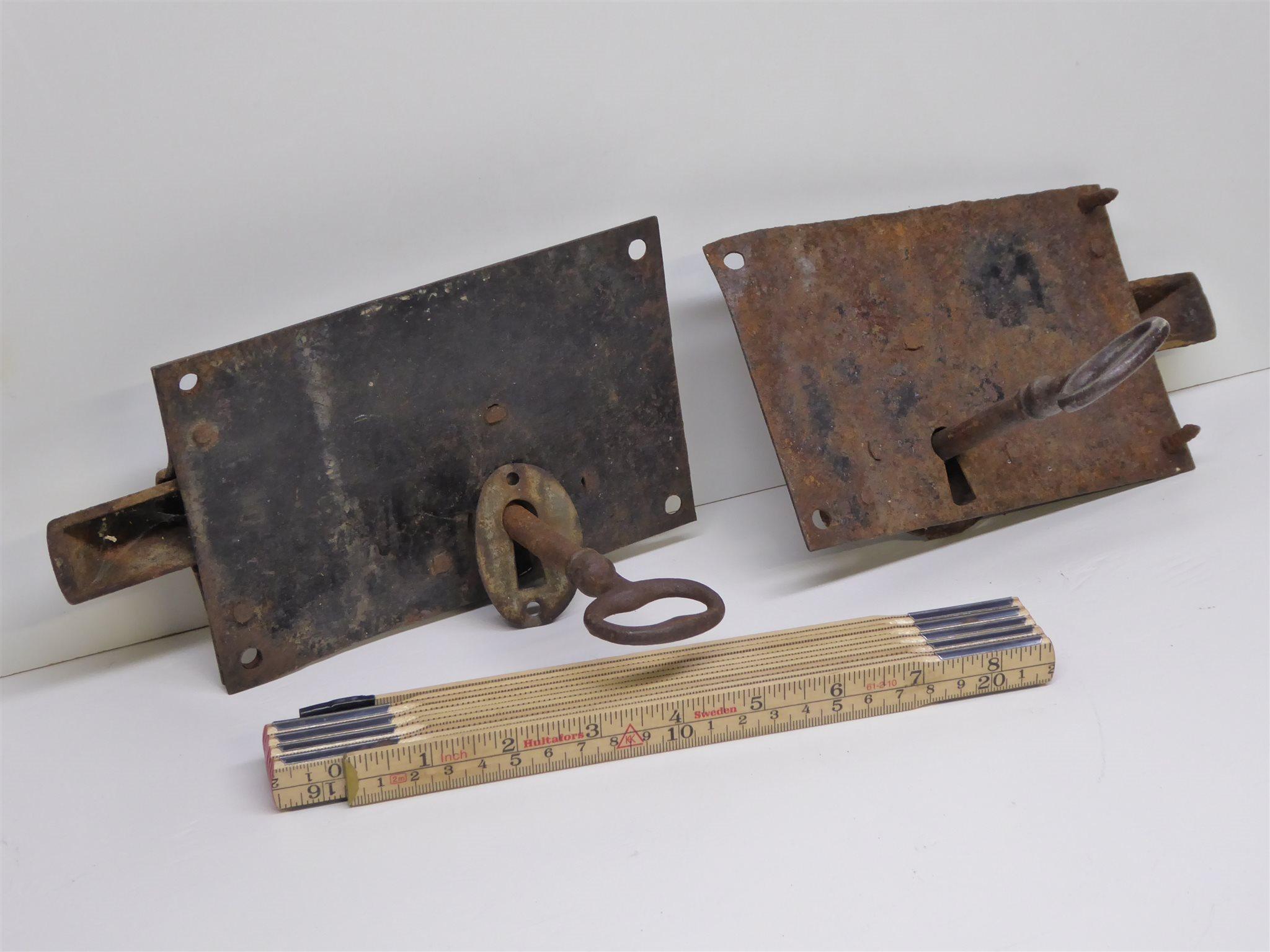 antika lås och beslag