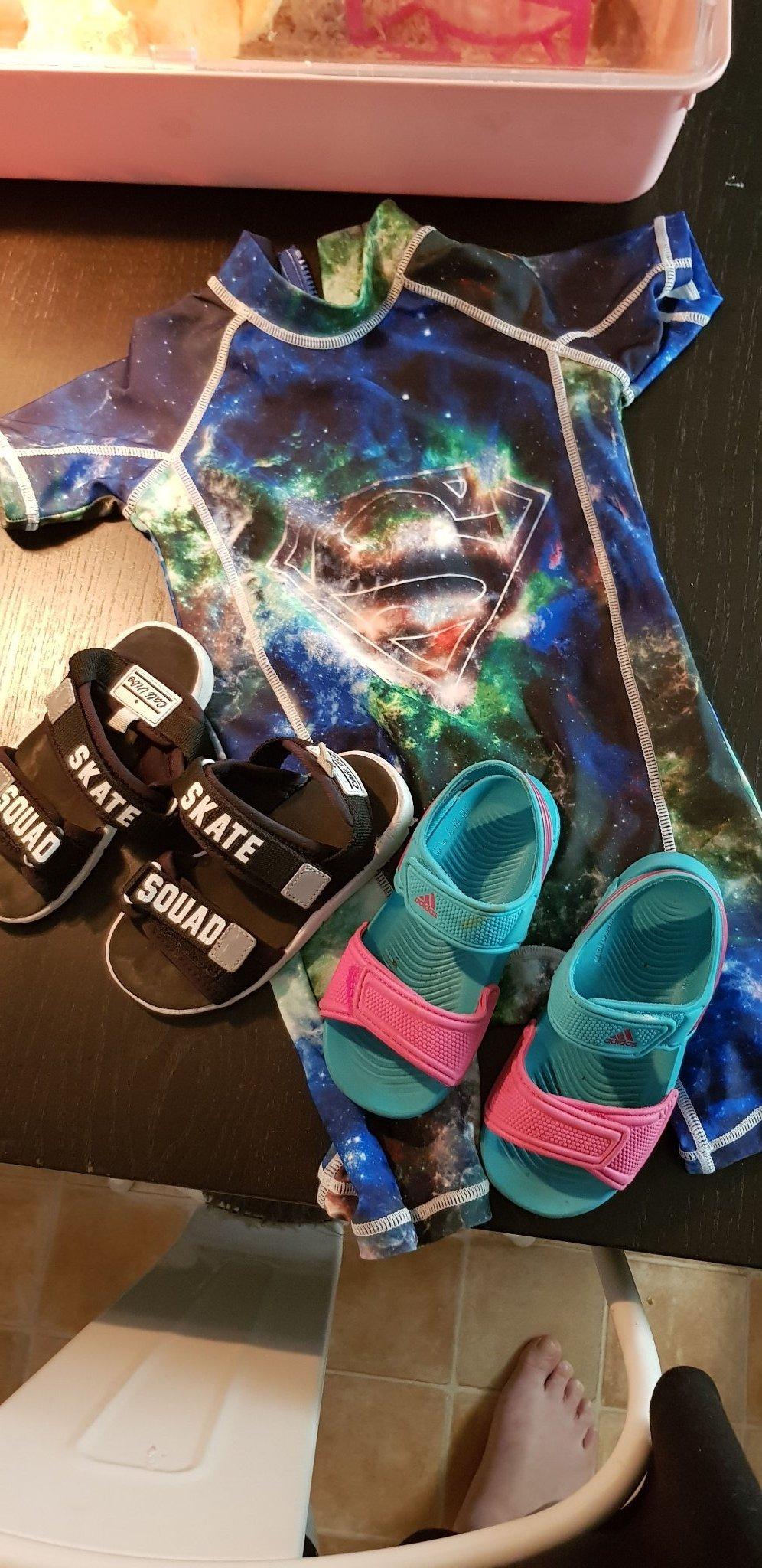 a3a6d1e8 Uv dräkt och sandaler (348287463) ᐈ Köp på Tradera