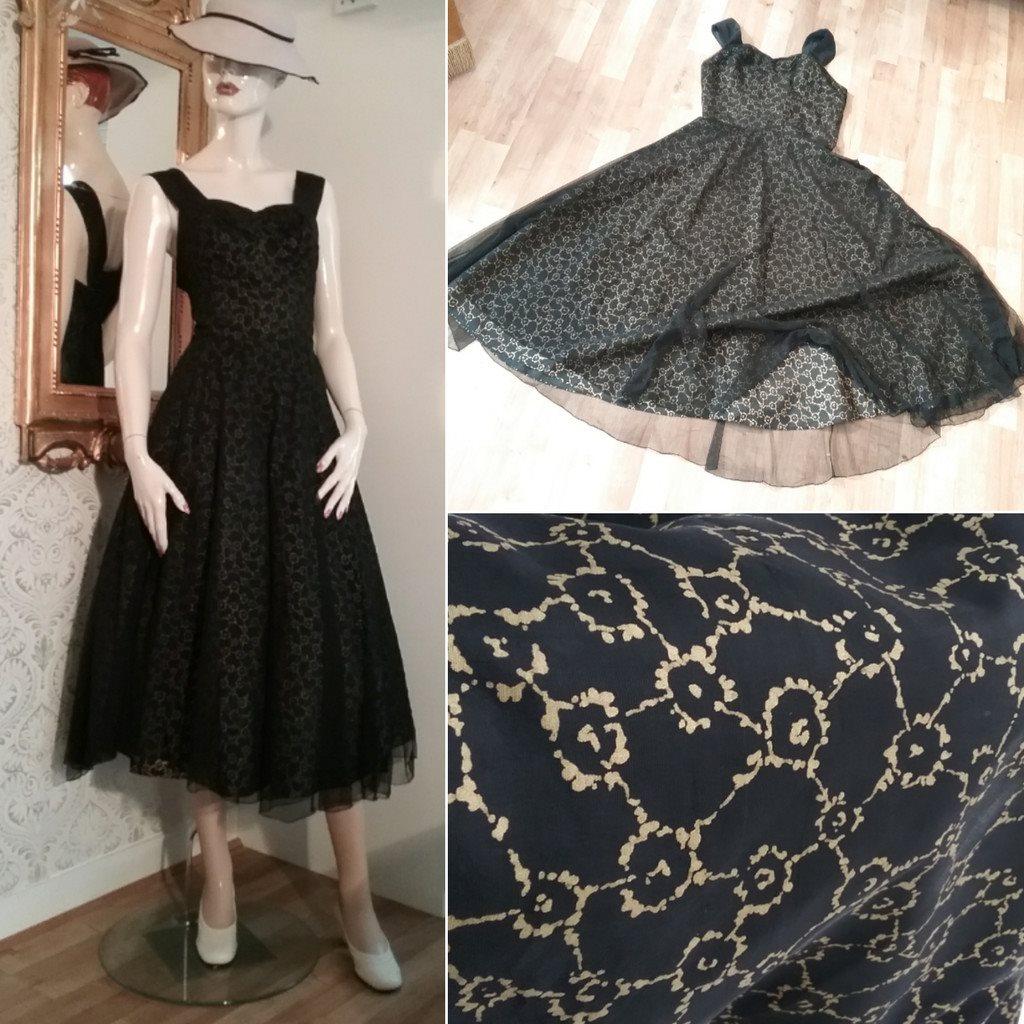 f89c74ff09e6 Vintage balklänning svart-guldfärgat tyg med svart tyll över vid kjol 60-tal  ...
