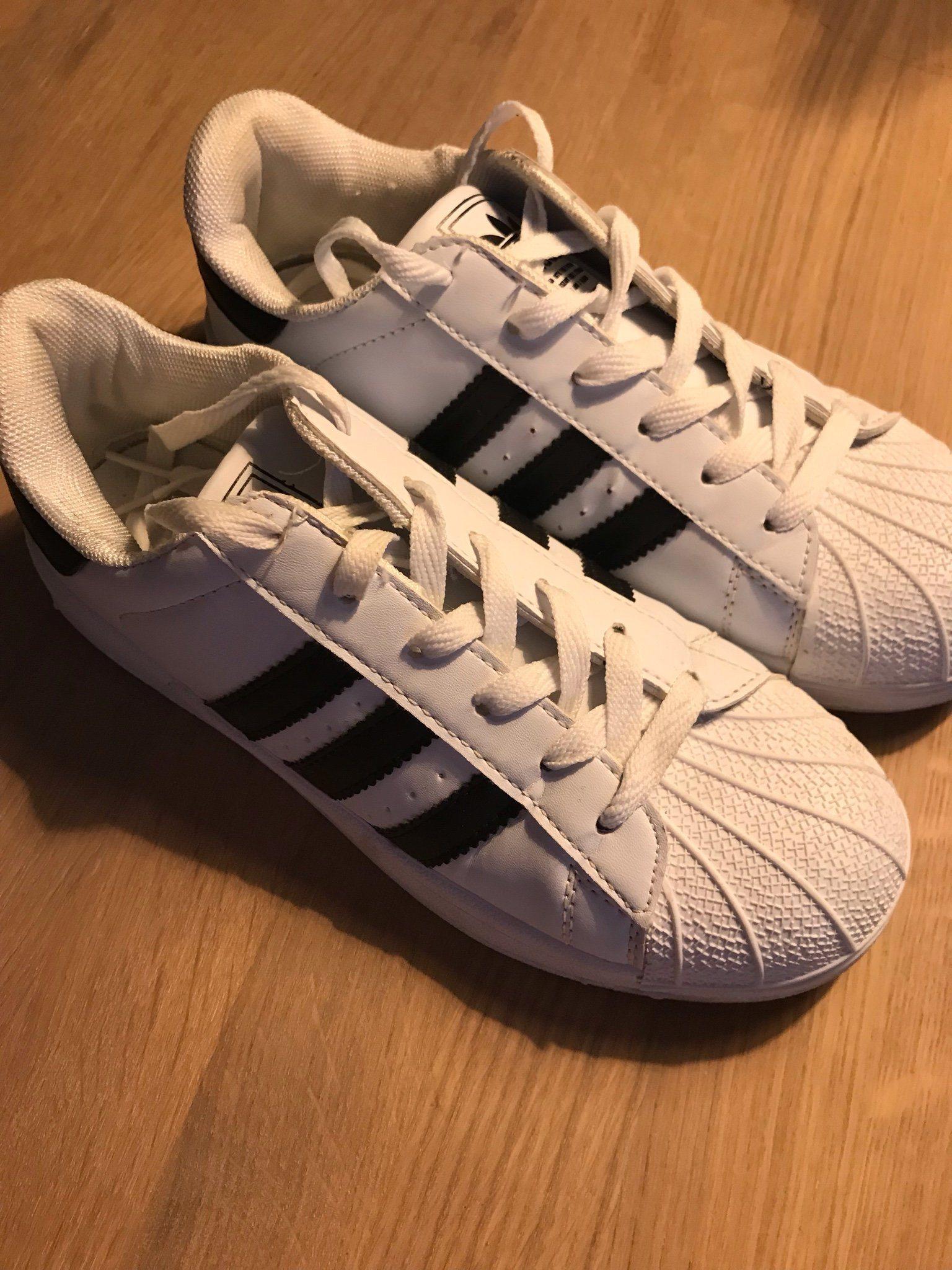 Adidas Superstar 38 (340177426) ᐈ Köp på Tradera af020a9b80