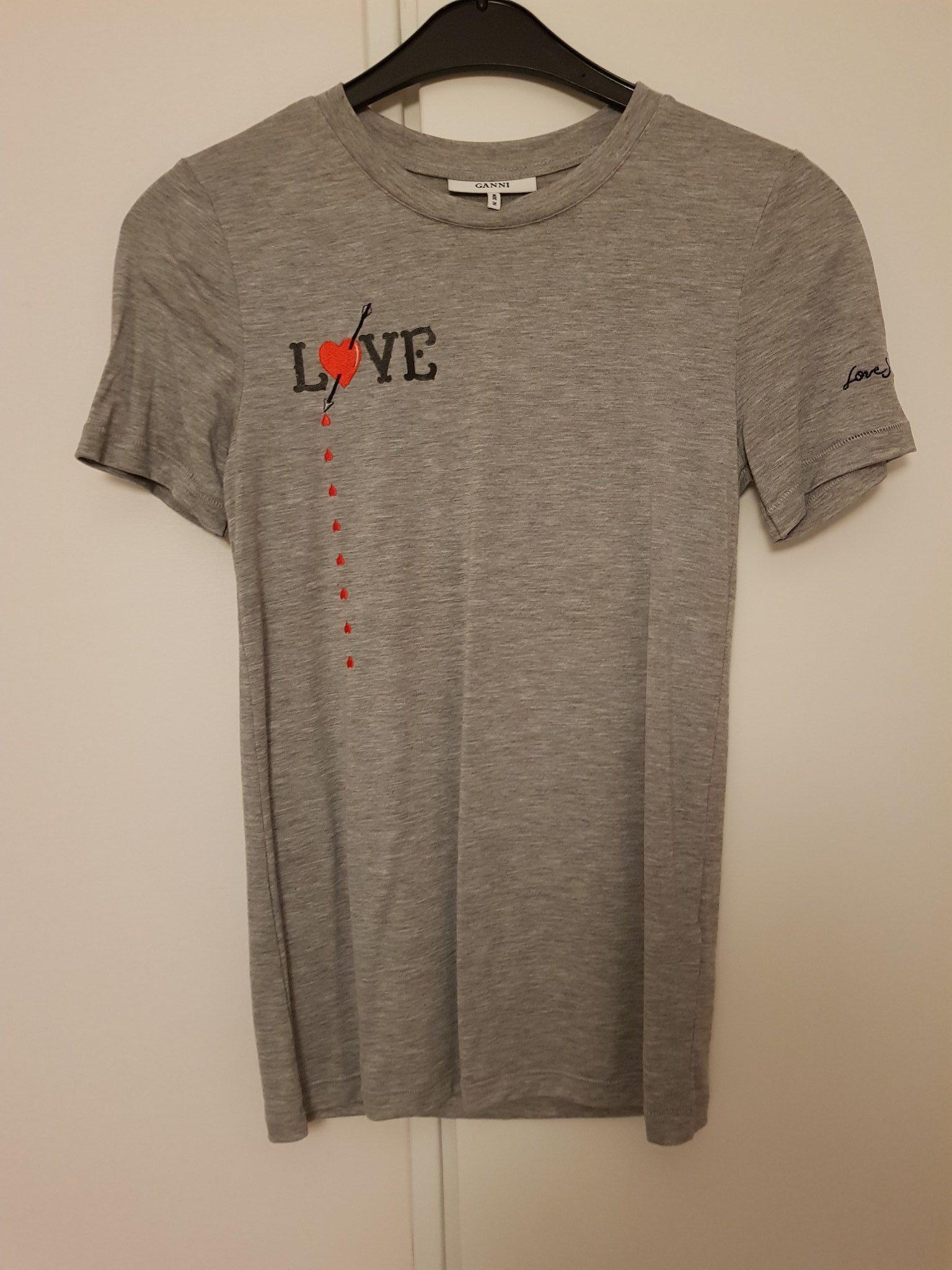 96eef85e434 Superfin t-shirt från Ganni, stl xs, oanvänd! (341981534) ᐈ Köp på ...