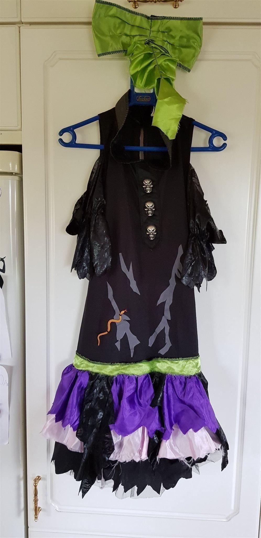 dödskalle klänning
