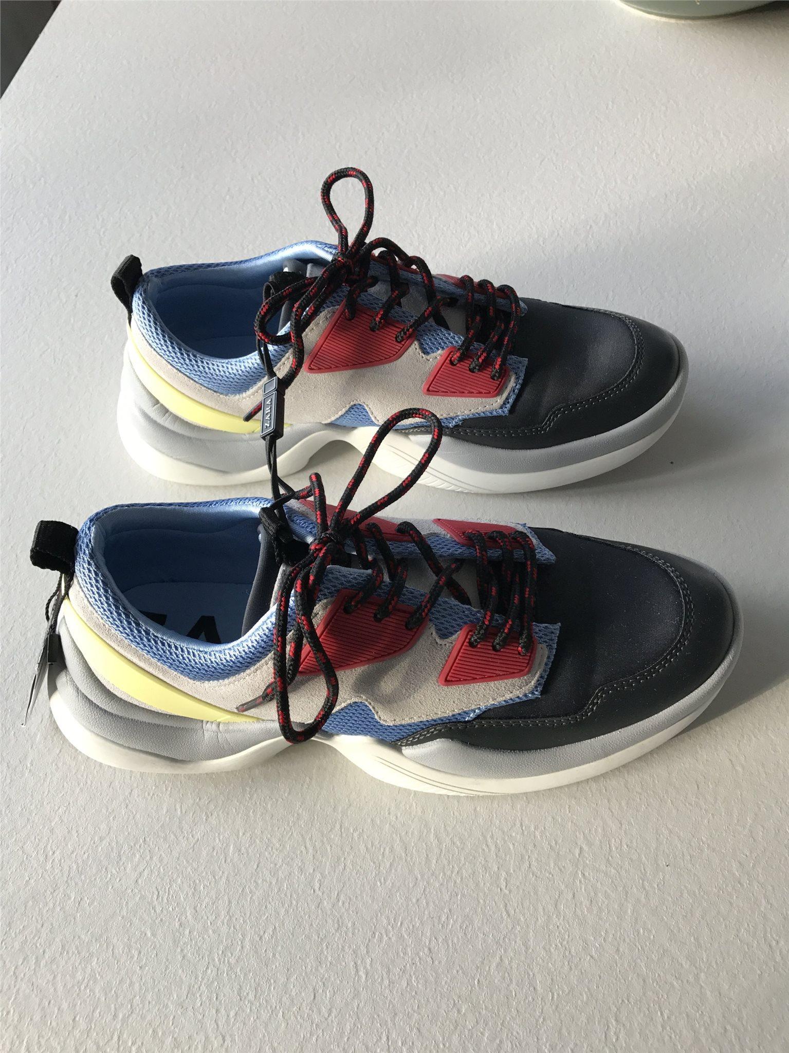 9571079b9ffc55 Zara skor sneakers storlek 38 NYA (341868122) ᐈ Köp på Tradera