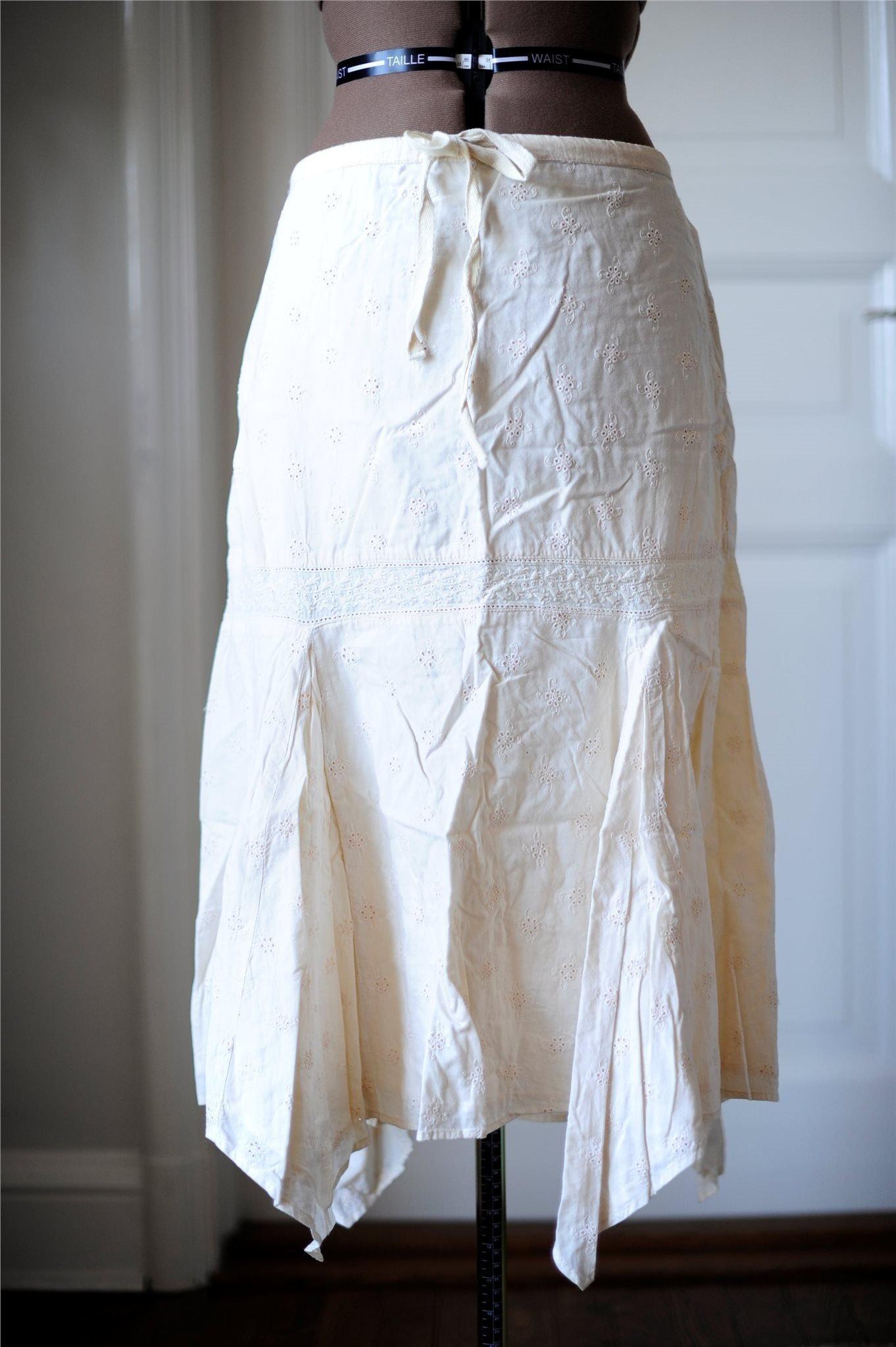 a4dc1cb7e4bc NY! BRUUNS BAZAAR beige asymmetrisk kjol, stl 38 (352216814) ᐈ Köp ...