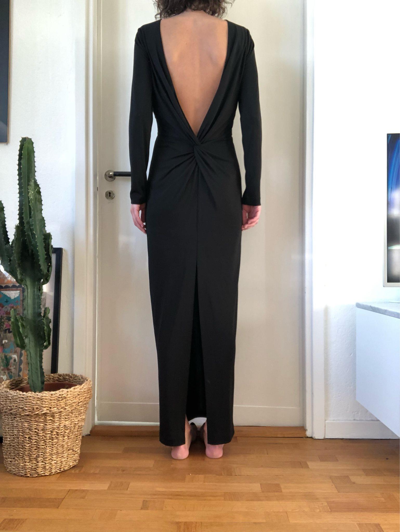 svart lång trikåklänning