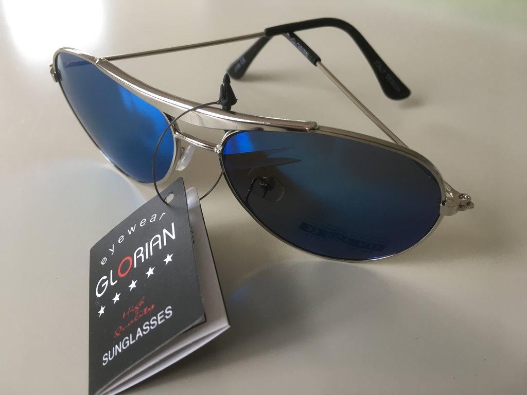 Barn Pilot Solglasögon  silverfärgad båge (286634990) ᐈ Köp på Tradera eb67385b94ff9