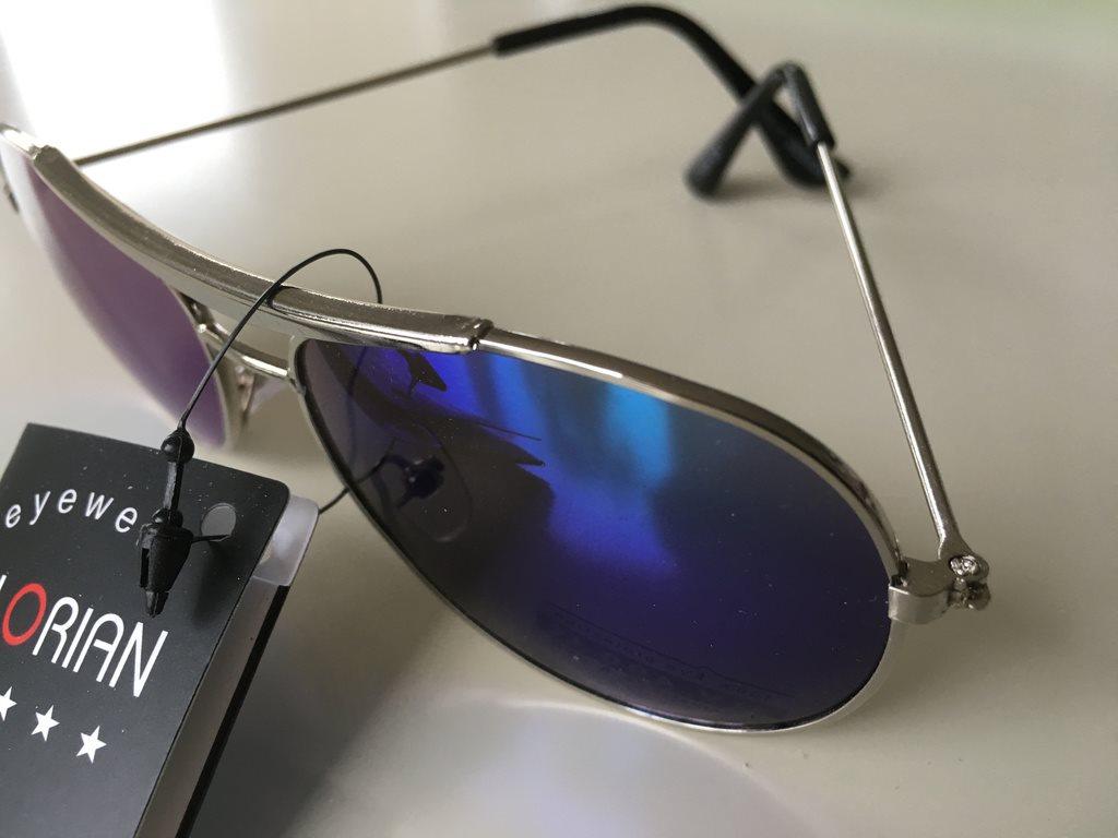 Barn Pilot Solglasögon  silverfärgad båge (286634991) ᐈ Köp på Tradera 01de5465863f4
