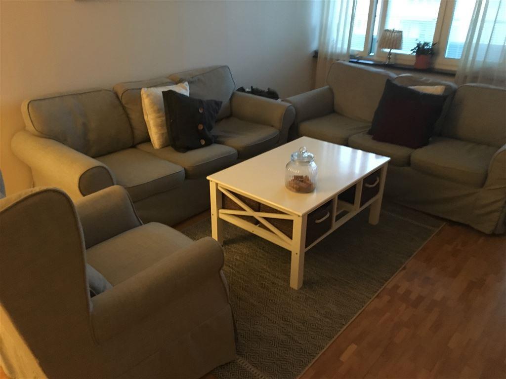 Soffbord Göteborg : Soffa soffbord fåtölj samt tv bänk på tradera soffor för